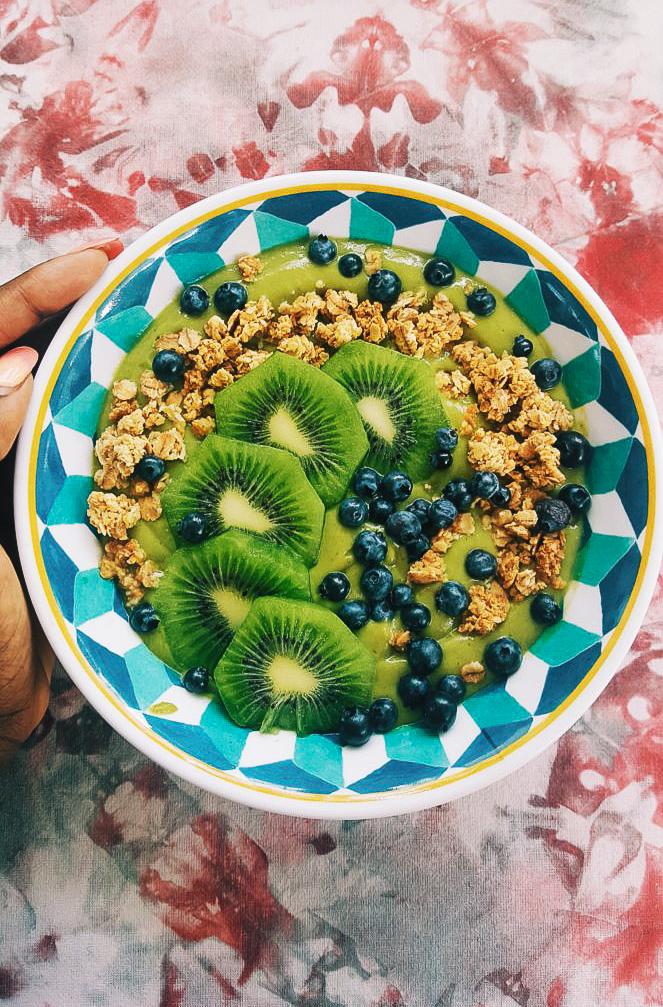 greensmoothiebowl.jpg