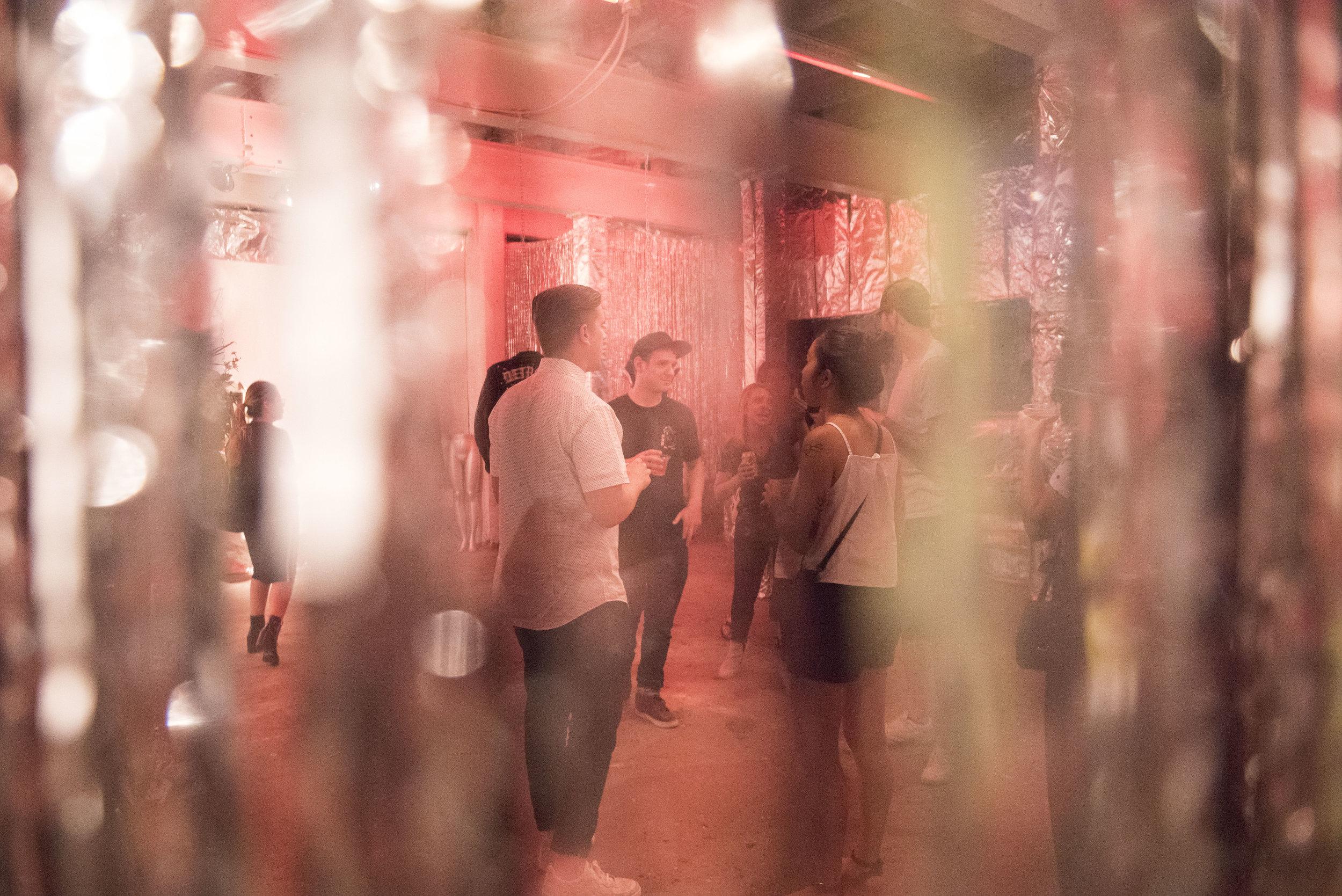 MITM-HQ-1xRun-NicoleStJohn_00011.jpg