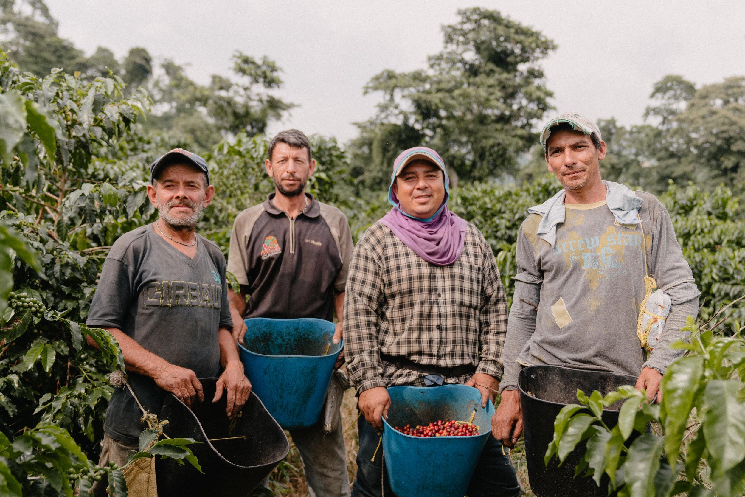 Emanuel-Hahn-Colombia-Coffee-Farmers-Huila-Manizales-Pagpropina-30.jpg