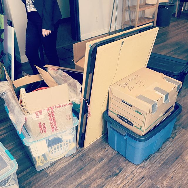 Moving day!! 🚚🚚🚚 #yycentrepreneur #smallbizyyc #techstartup #goingplaces #happyworkers