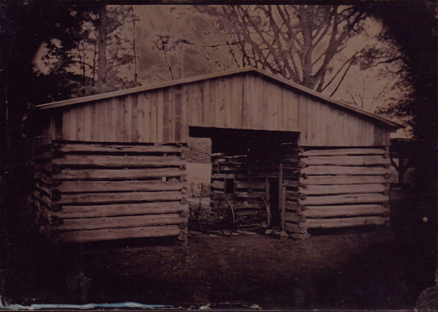Ole Barn - By:Bones Cheatwood  http://forgottenimages.wixsite.com/photography