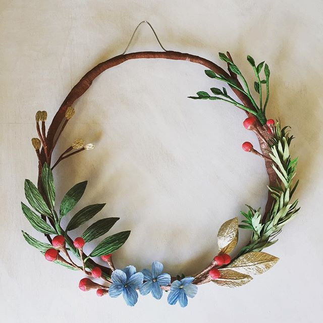 Come sign up for our holiday wreath making workshop @morninglavendersf - register on our website jonesandposy.com