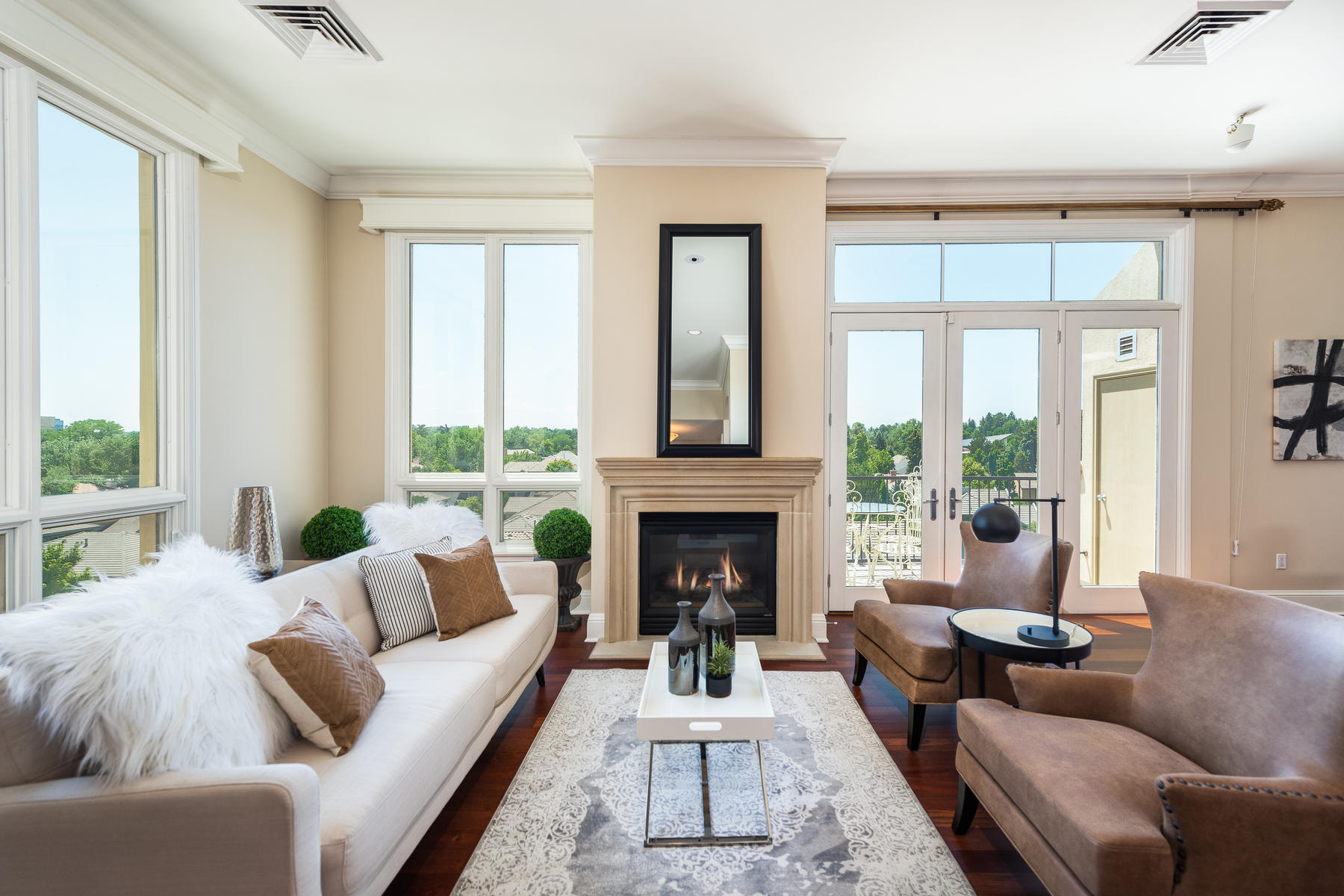 2500 Cherry Creek S Drive 606-005-28-Family Room-MLS_Size.jpg