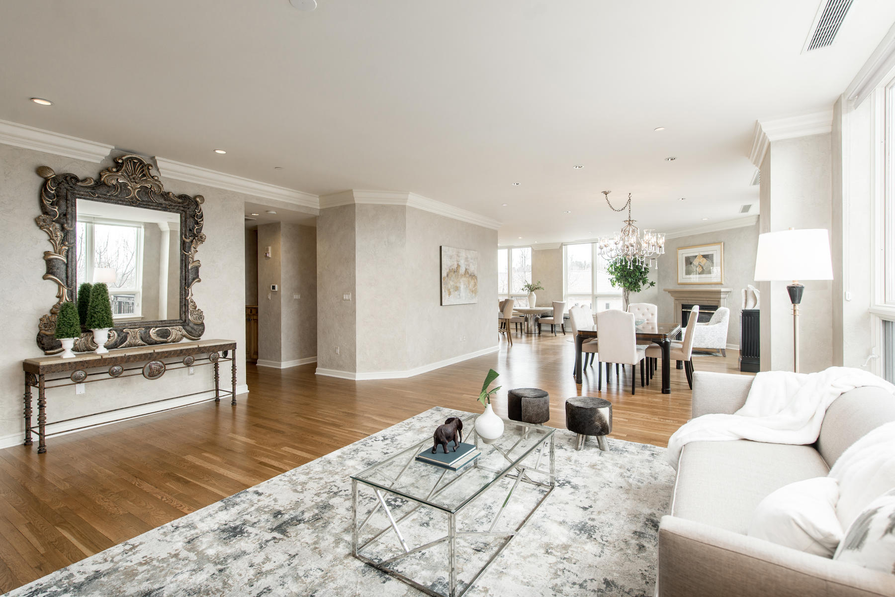 2400 Cherry Creek S Drive 308-013-86-Living Room-MLS_Size.jpg