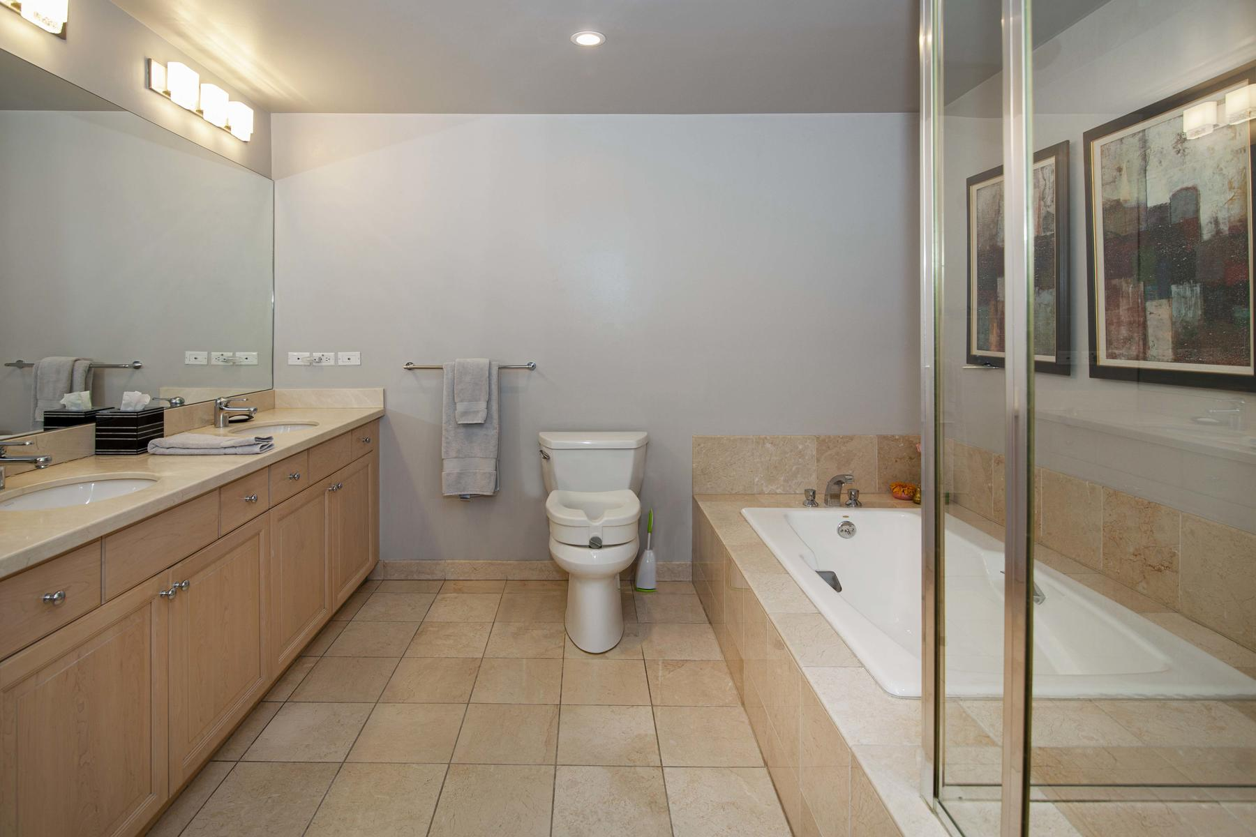 2400 Cherry Creek S Drive 209-032-048-Bathroom-MLS_Size.jpg