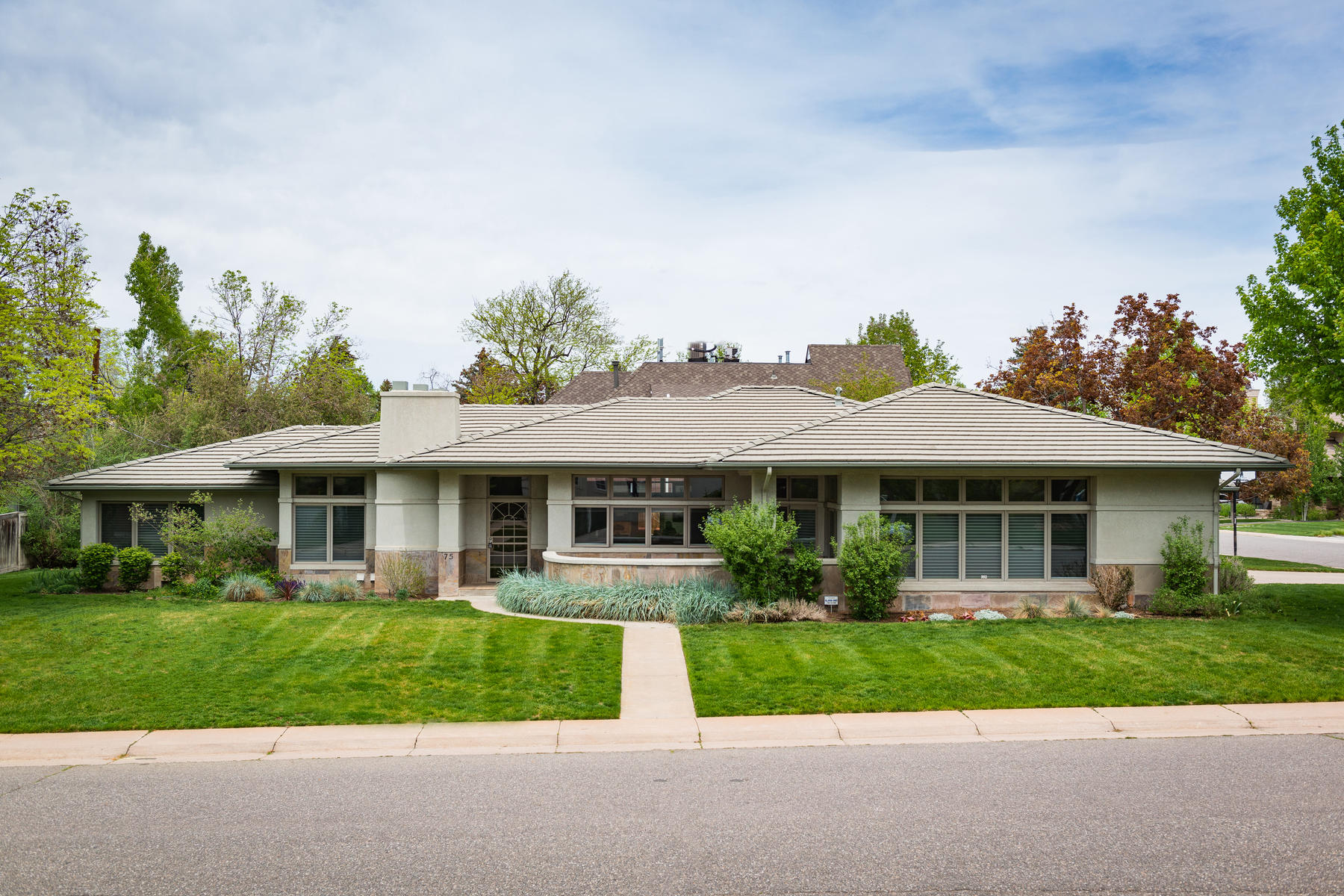 SOLD - July 2019: $1,525,000