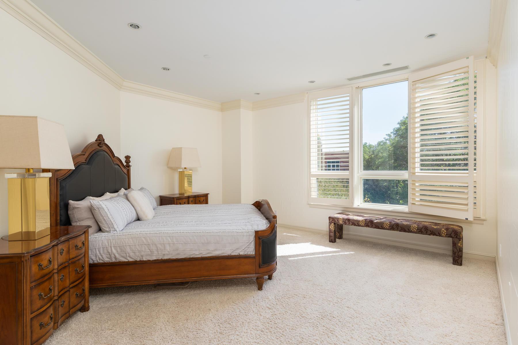 2400 Cherry Creek S Drive 308-029-091-Bedroom-MLS_Size.jpg
