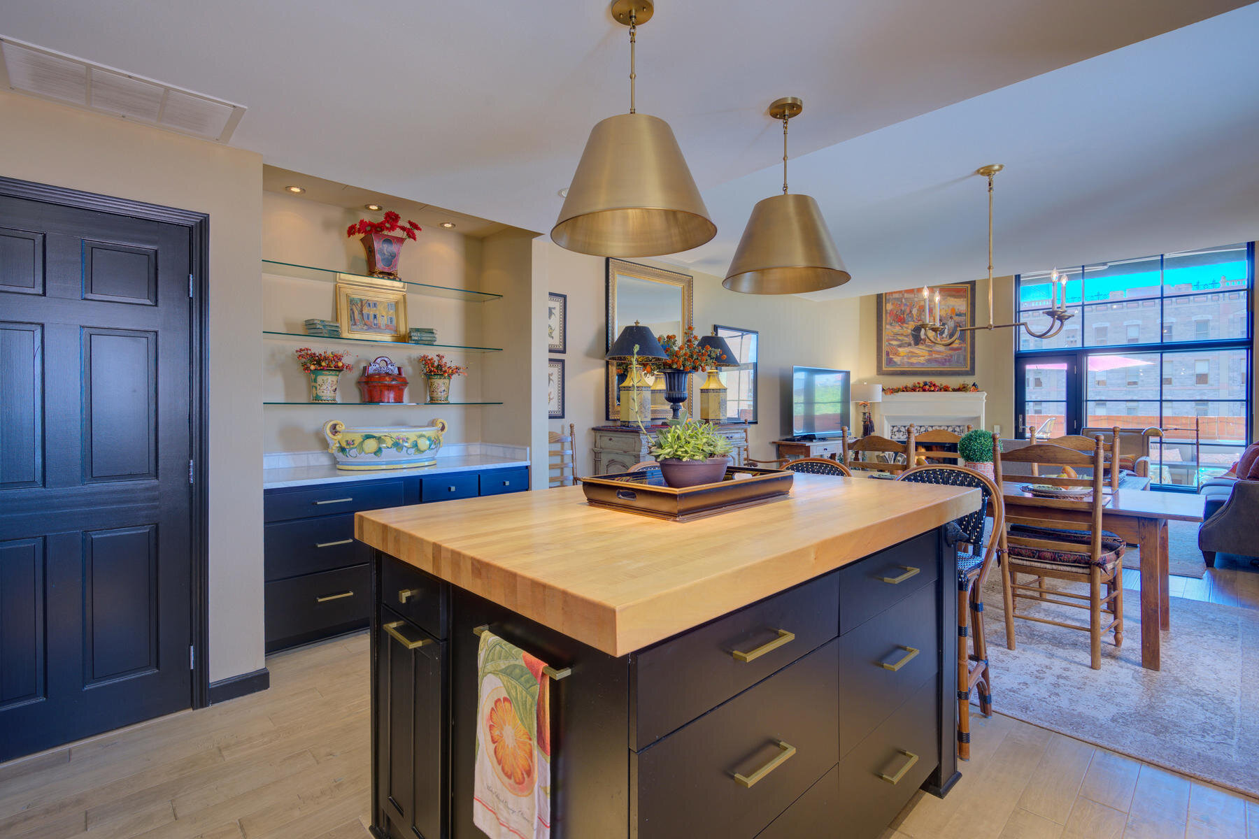 1512 Larimer Street-006-012-Kitchen-MLS_Size.jpg
