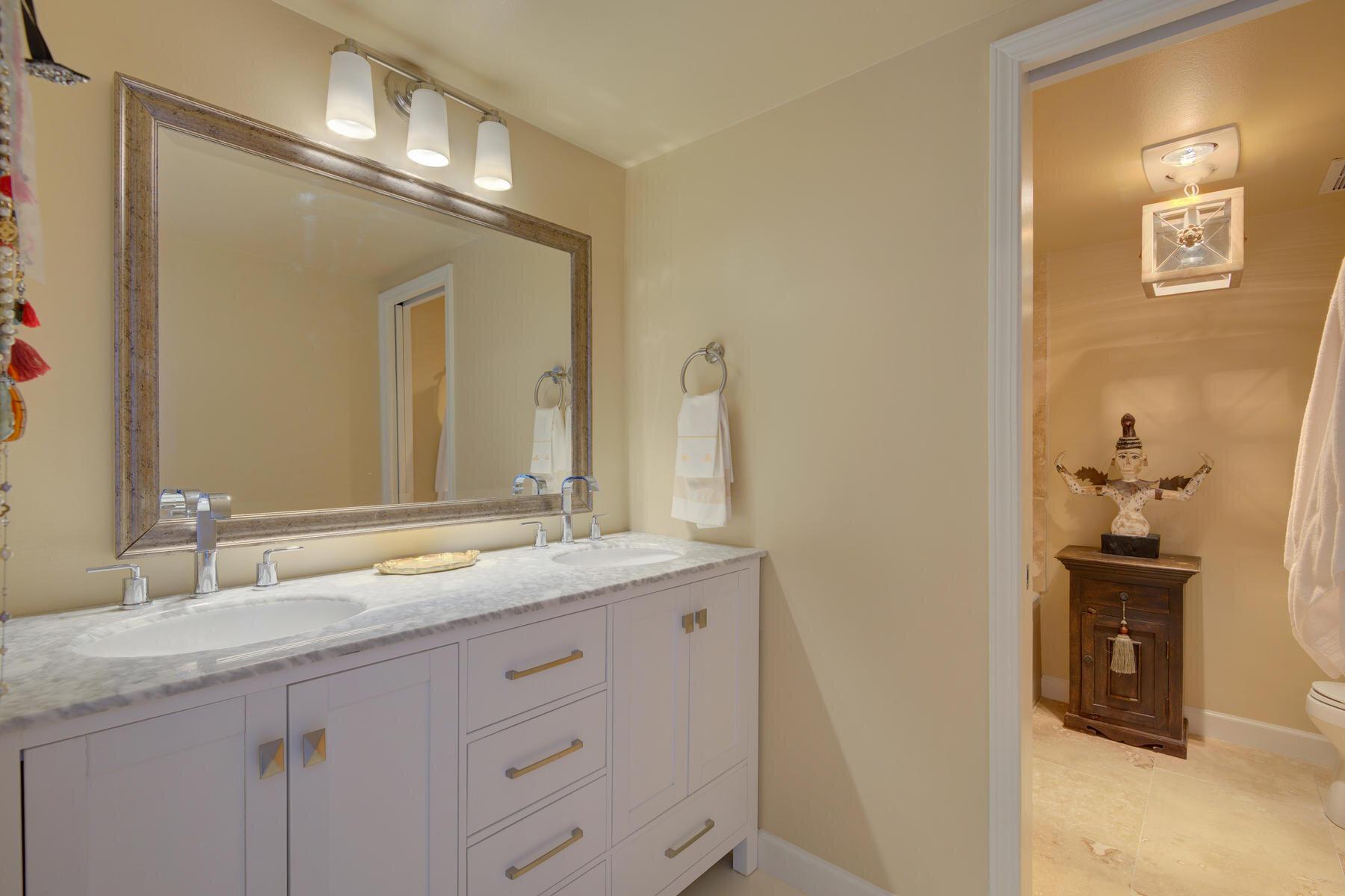 1512 Larimer Street-025-031-Bathroom-MLS_Size.jpg