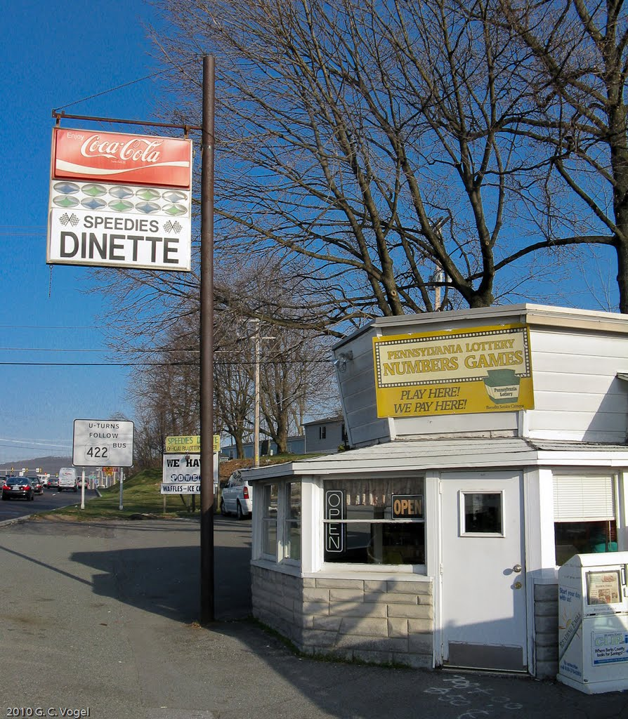 Speedies Dinette: A Blast from the Past - Jarred Jermacans reviews the tiny Exeter diner's tasty breakfast options.