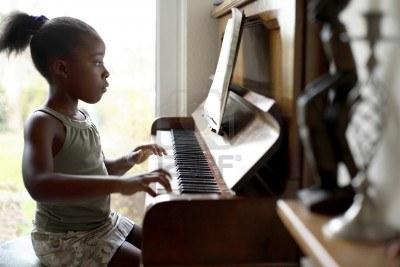 piano girl.jpg