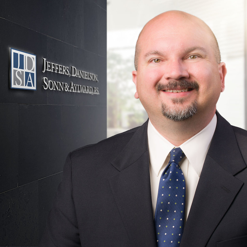 H. Lee Lewis     Appellate Law   Construction   Litigation