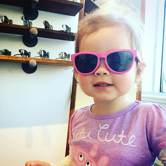 another happy patient! little miss chloe is ready to catch some sun in her new hot pink #minishadespolarized today! 😎 @kl419 #baybridge2020