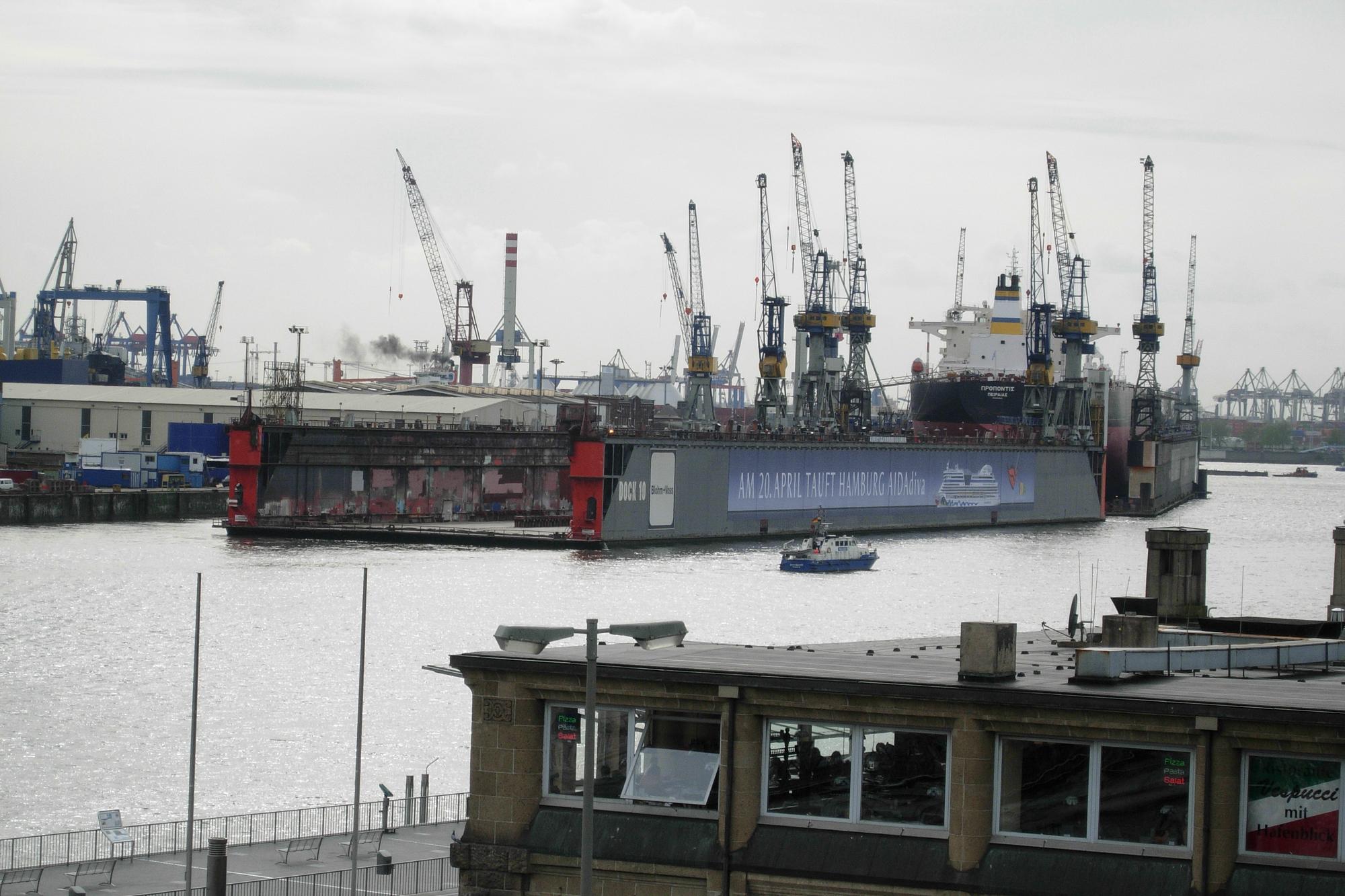 Shipyard, Elbe River