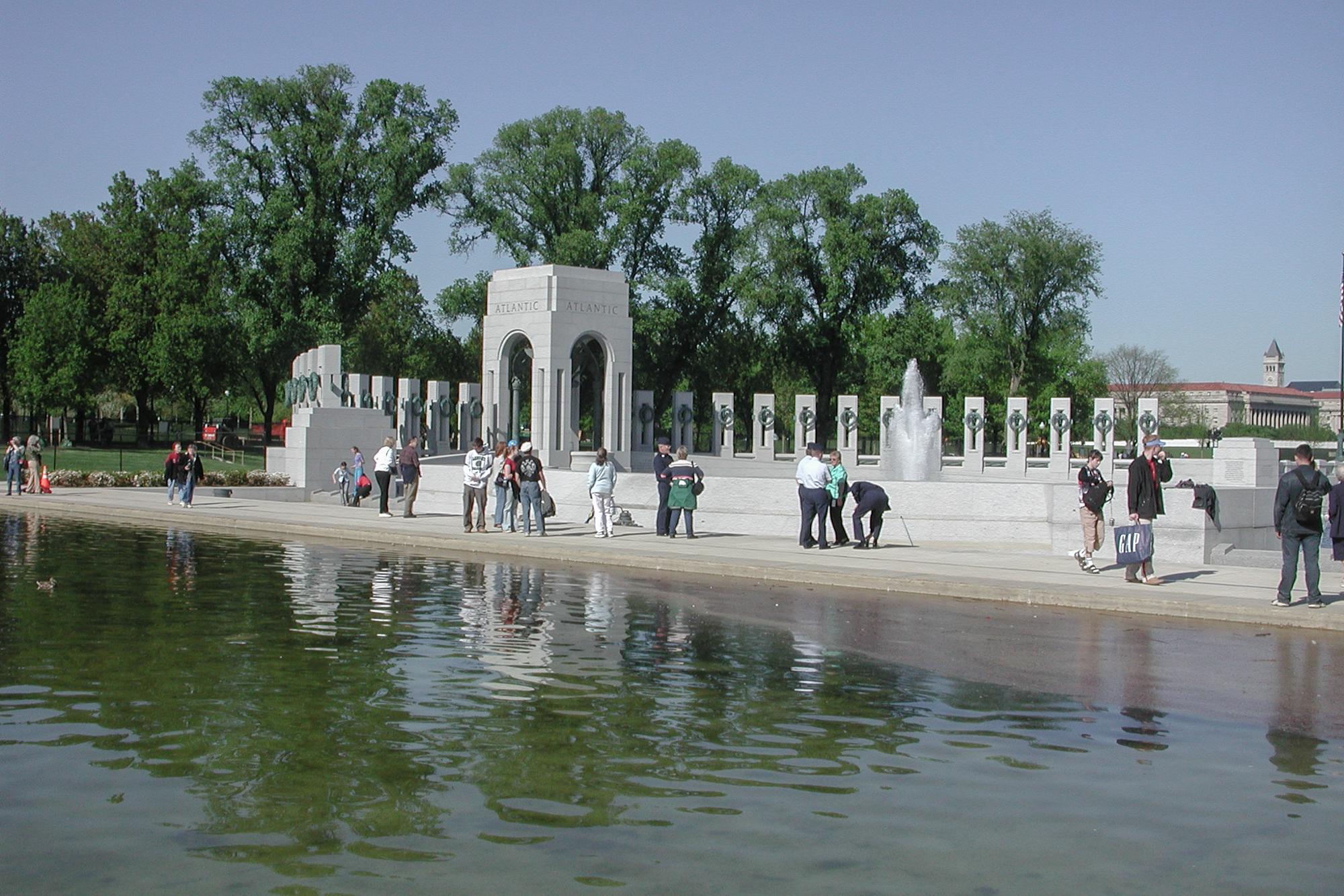Visitors, WWII Memorial