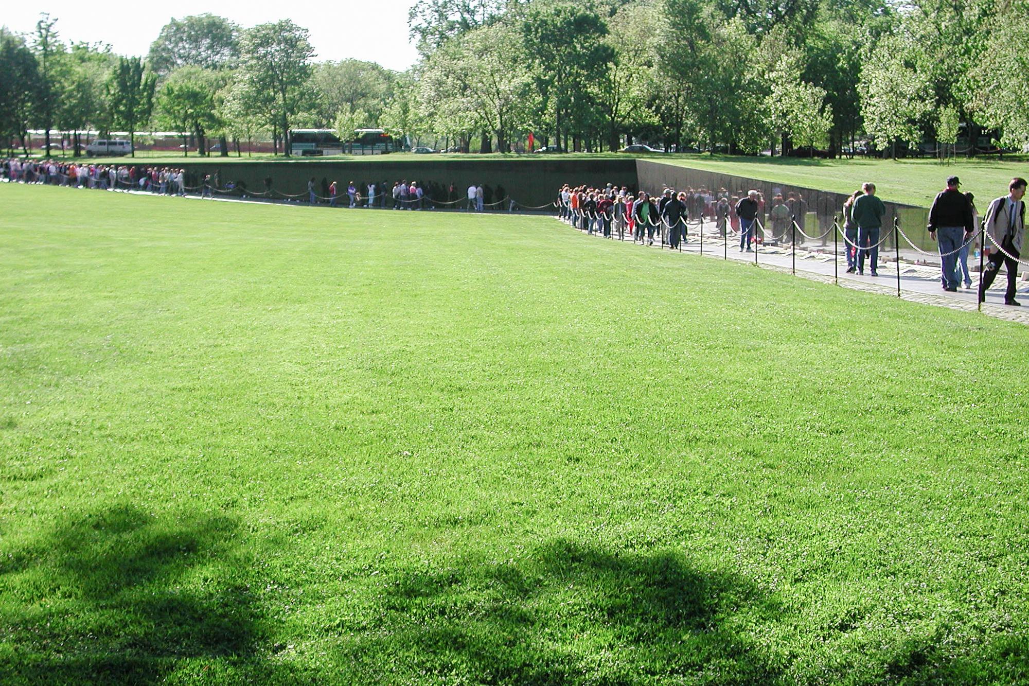 Visitors, Vietnam Veterans Memorial