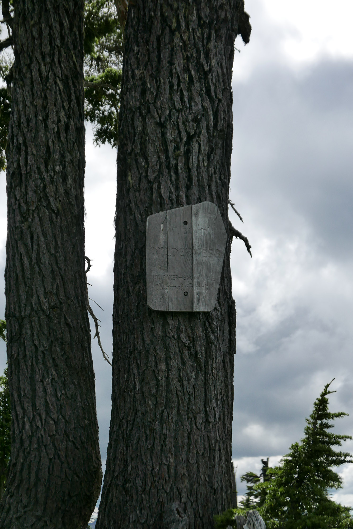 boundary sign