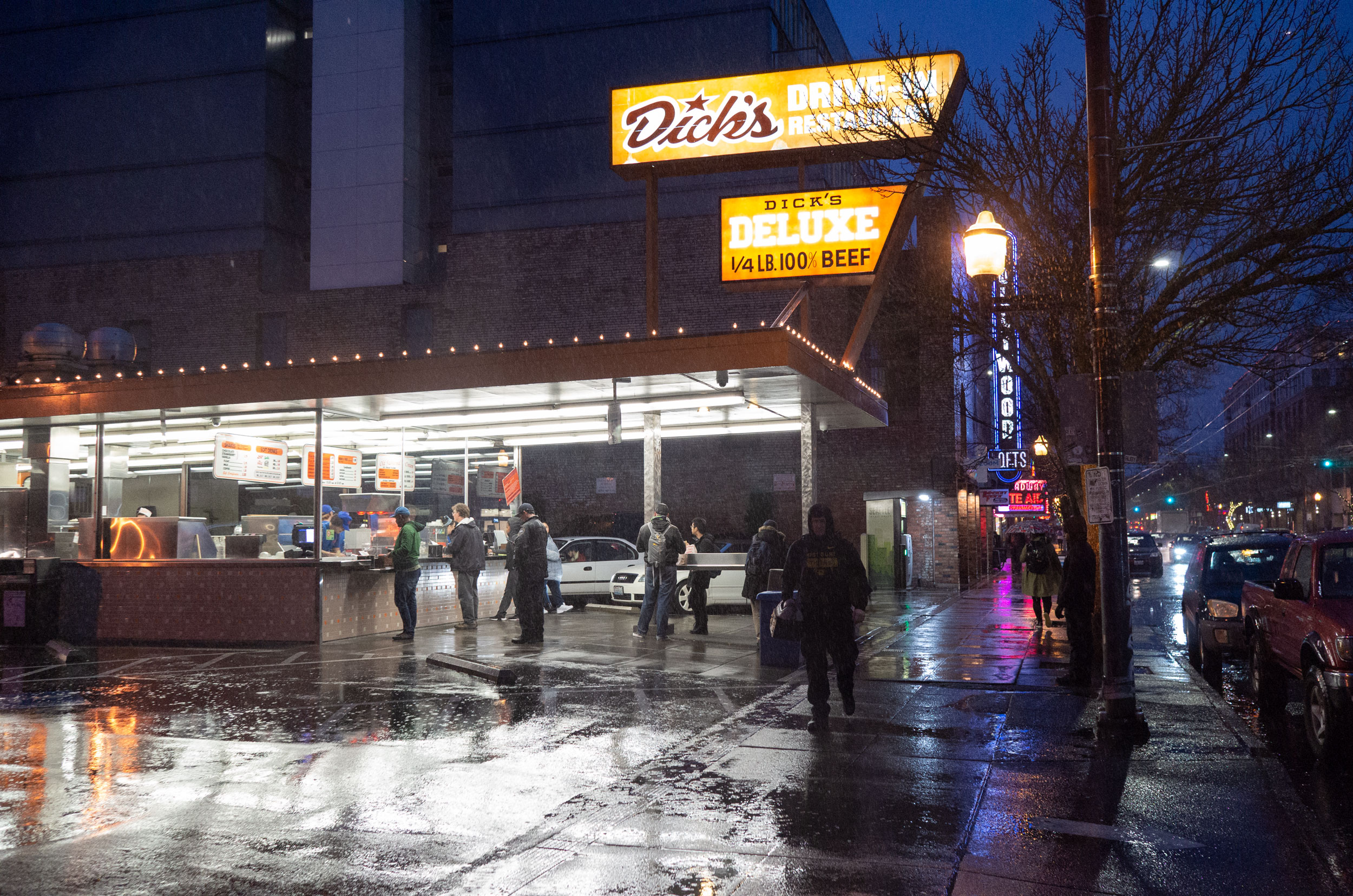 Rainy night at Dick's Drive-In