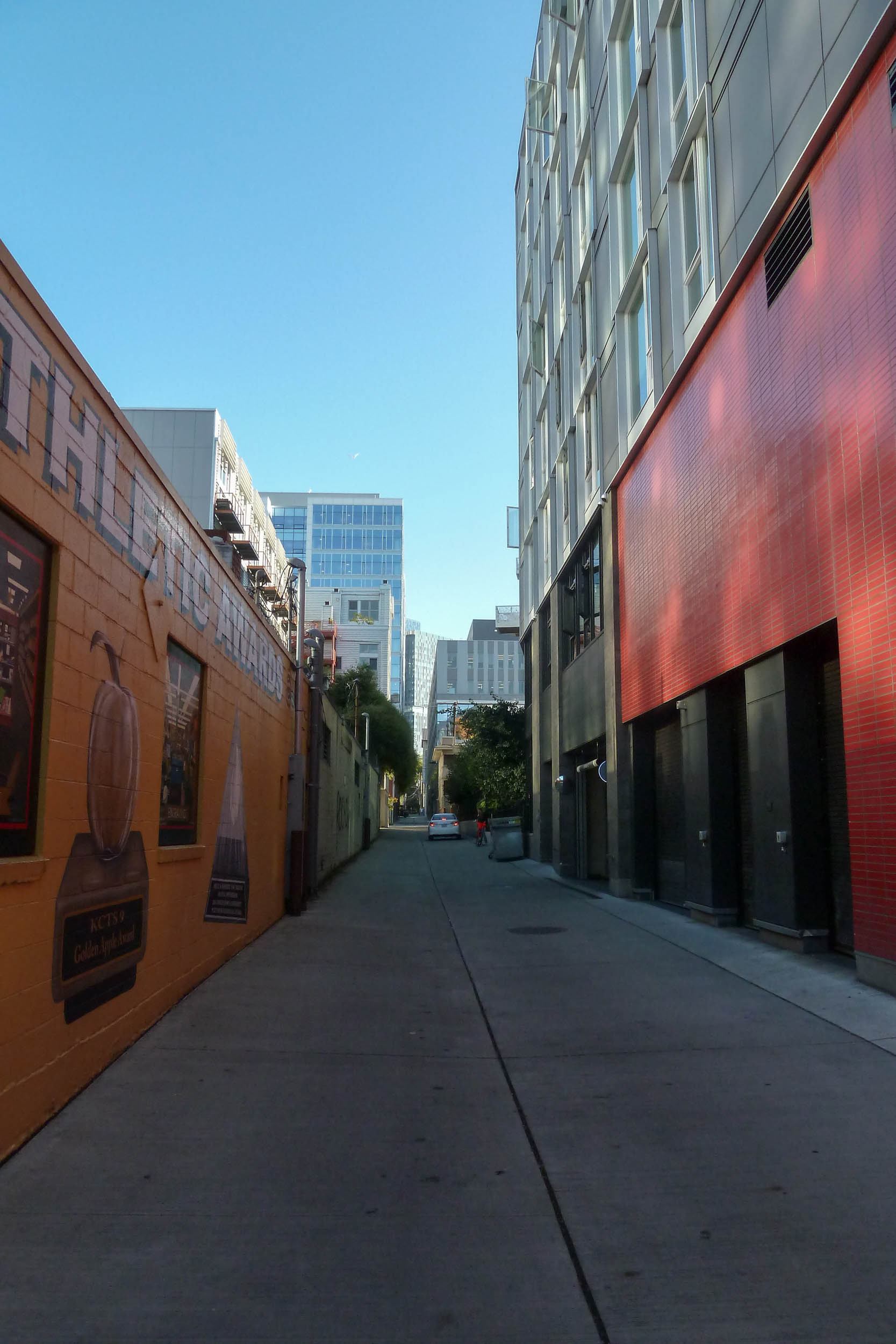 alley of color