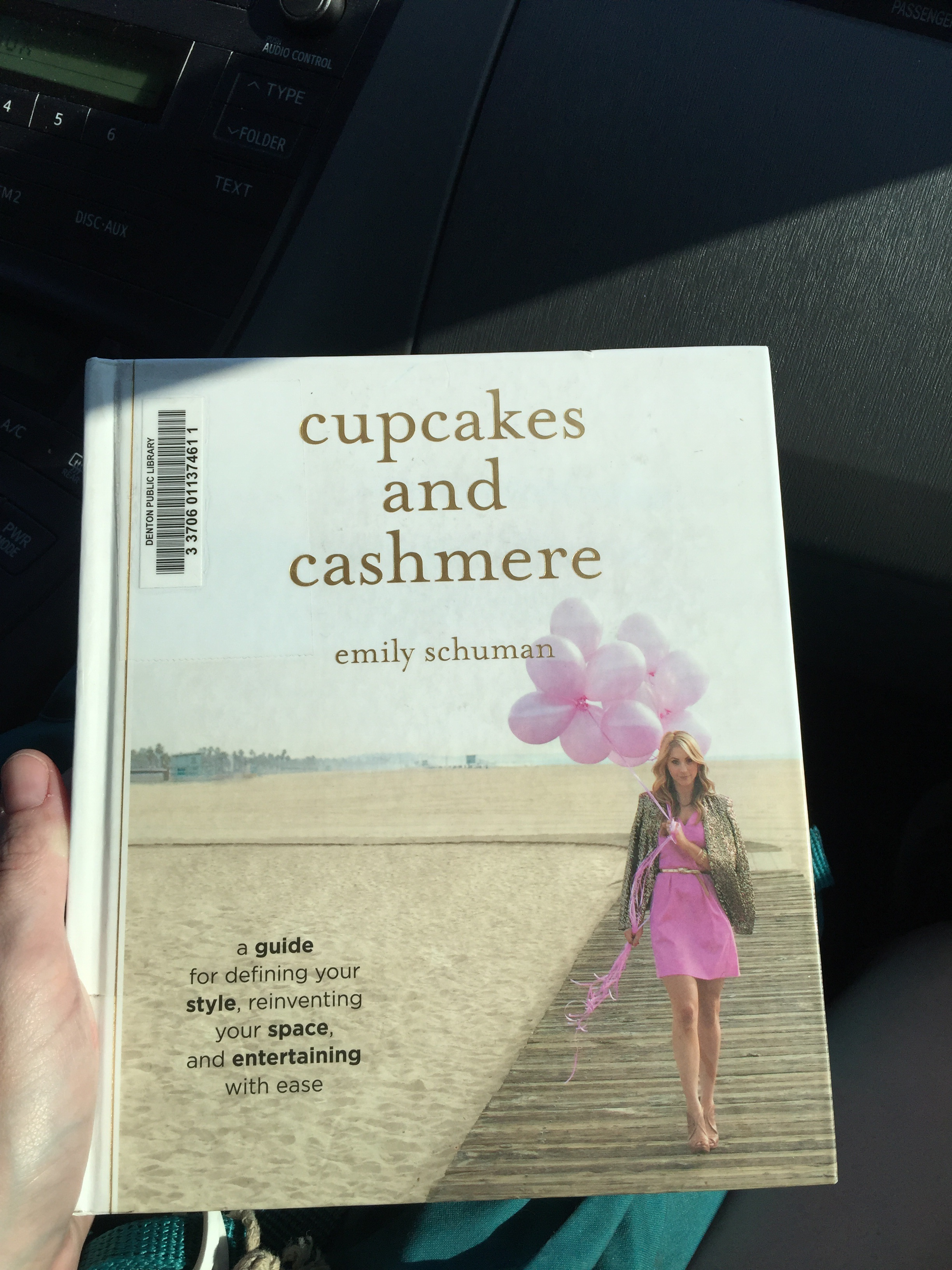 Cupcakes and Cashmere - My new favorite book on style and entertaining