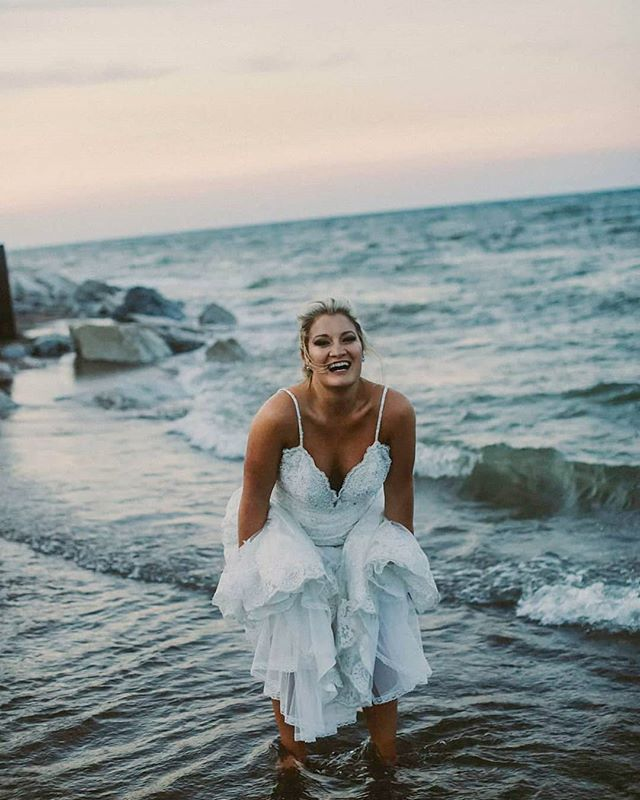 """Ah well, it's not like I plan on wearing this dress again"" -the coolest brides 😂 📸#weddingphotography #weddingphotographer  #portorchardphotographer #antiochil #genevaweddingphotographer #junebugweddings #junebugweddingshuffpostido #midwest #weddingwire #theknot #bride #modernbeings #beautiful #flashesofdelight #marvelous_shots #discoverportrait #bridalgown  #wedding #happiness #flashesofdelight  #creativepreneur #weddingplanning #engaged #risingtidesociety #antiochillinois #greatlakesillinois #beachwedding #beachbride"
