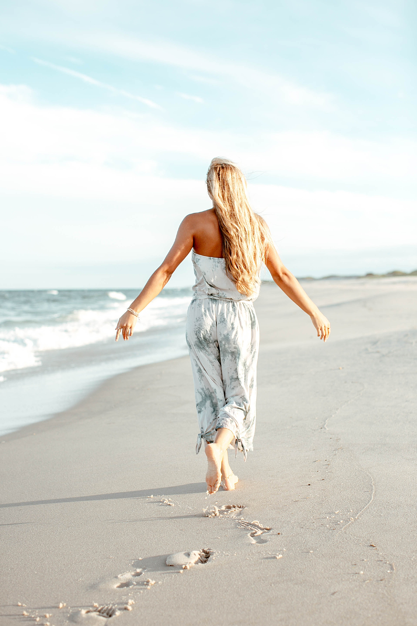 Natural and Bright Seaside Park New Jersey Boho Lifestlyle Beach Portrait Photography by Kelee Bovelle_0017.jpg