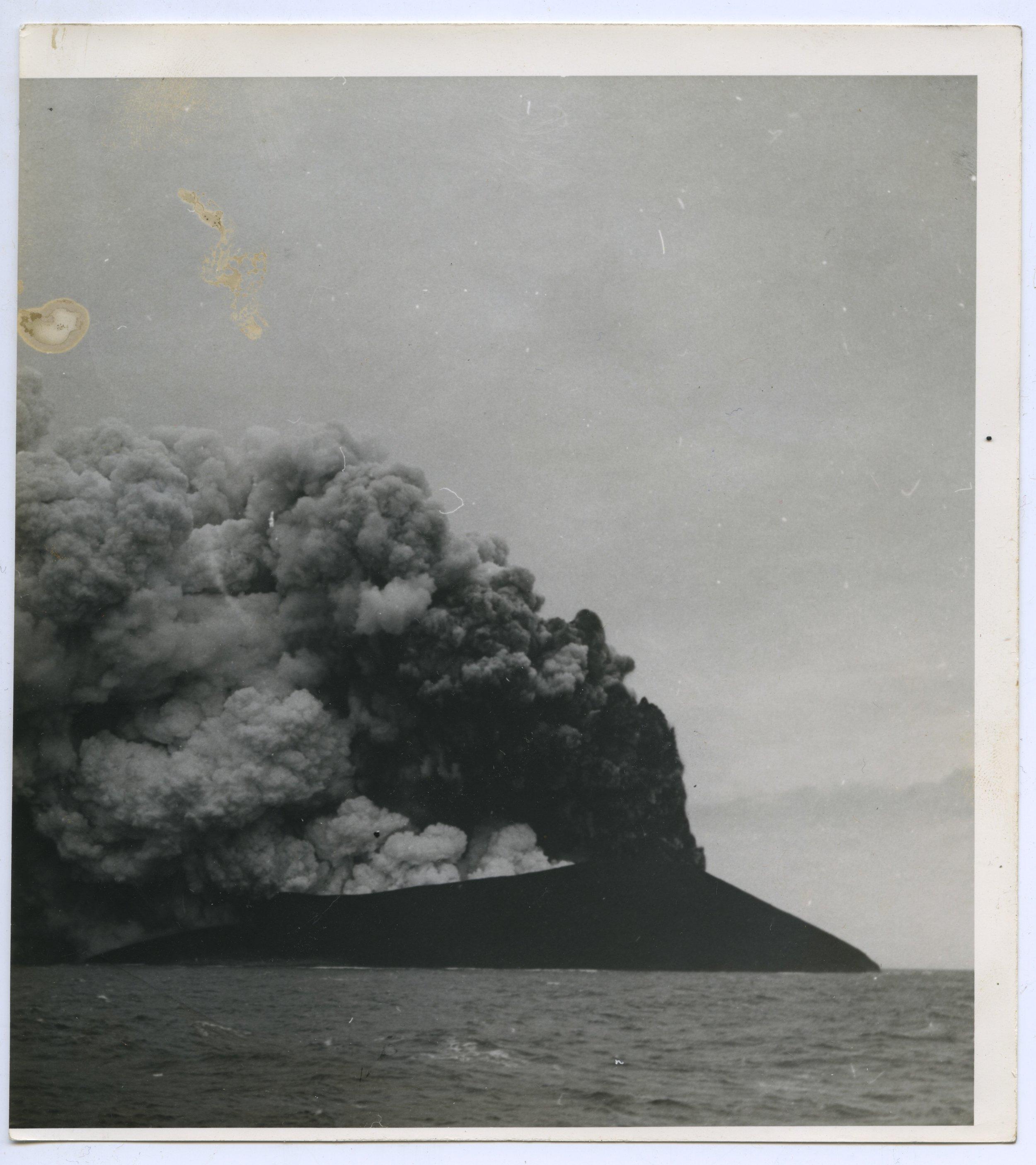 stursay eruption photog swimming chp 8 subaqueous  1.jpeg