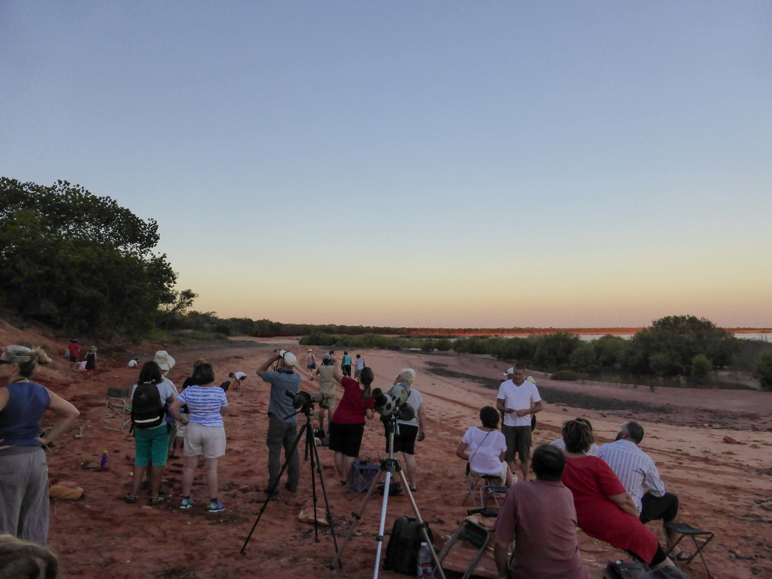 BBO staff and guests watching the action on the shore of Roebuck Bay. Photo: Ric Else 2015