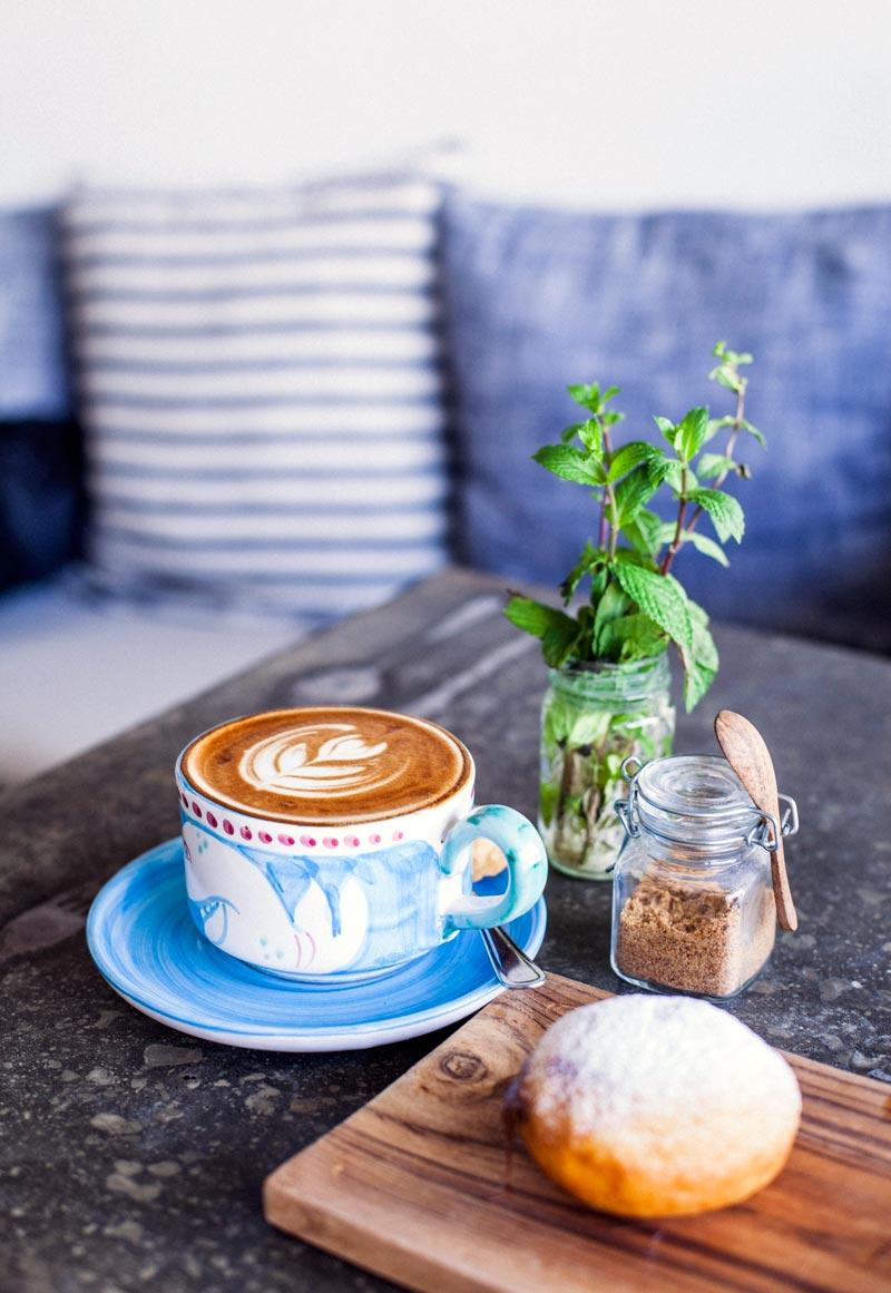 cappuccino & bomba