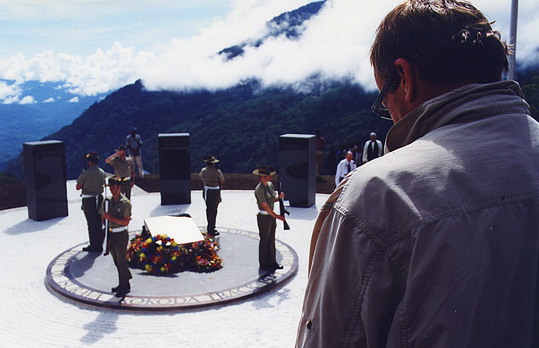 PL-at-Isurava-memorial.jpg