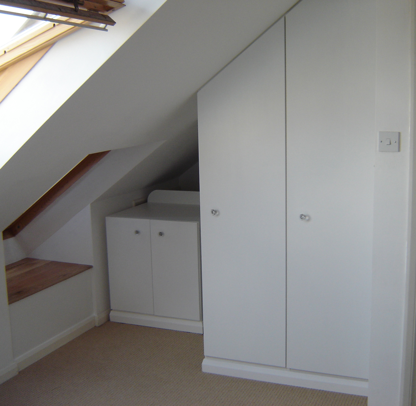 Wheeled cabinet & fitted wardrobe