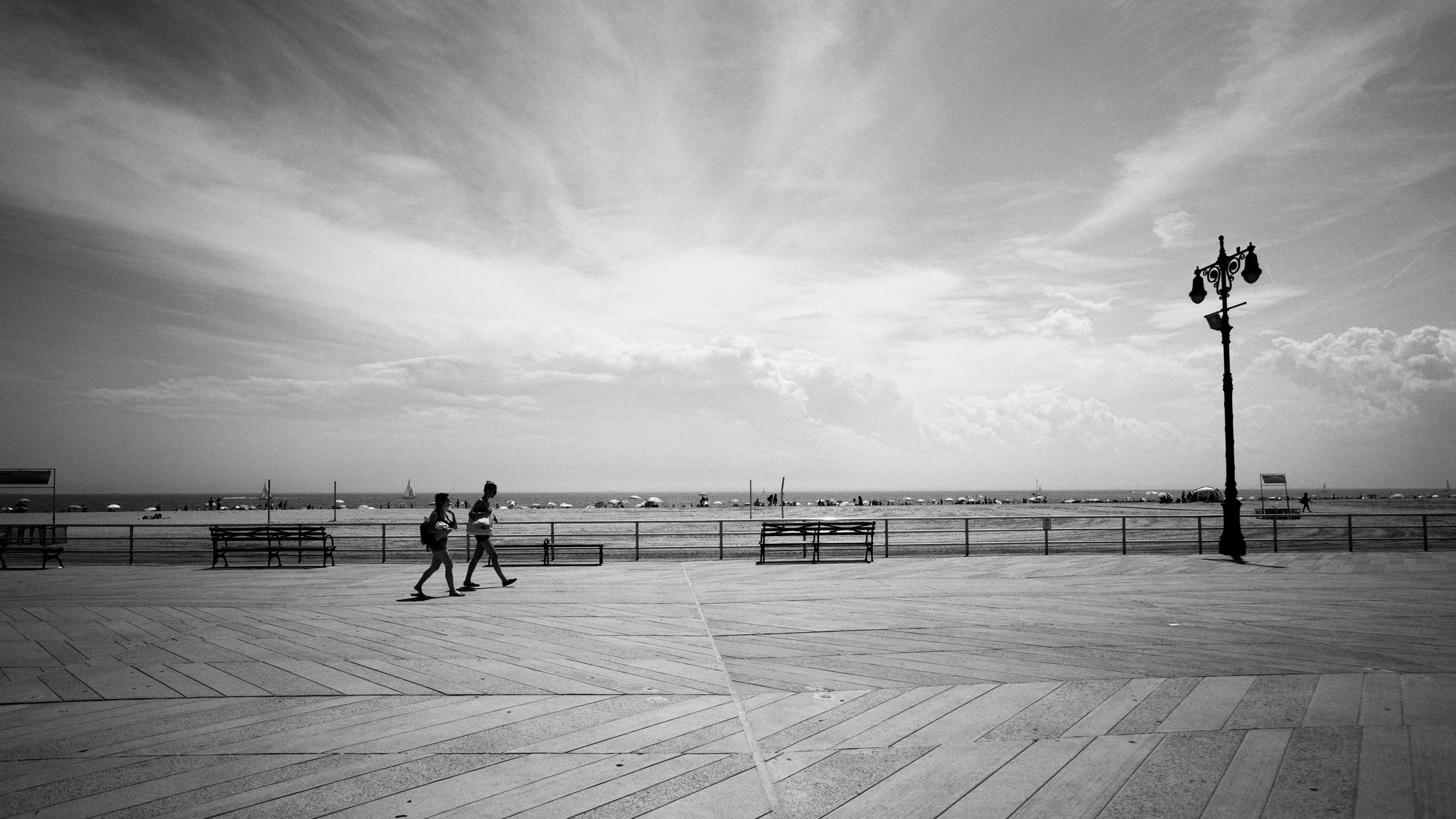 (Sony ILCE-7RM2 + Zeiss Batis 18mm f/2.8) ISO 100 - I was melting on the boardwalk but happy we stuck around to capture this one.