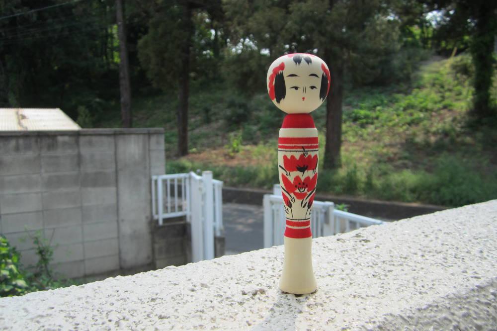 poupee-kokeshi-sakunami