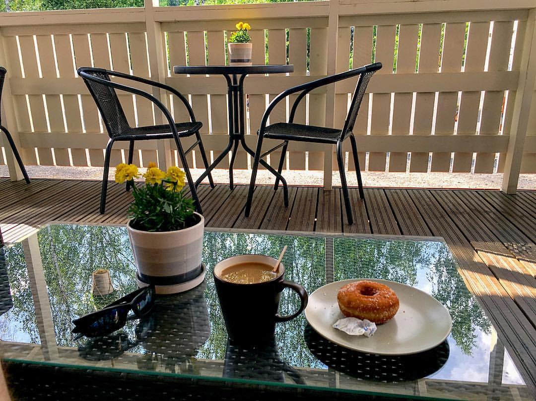 Noarkin kahvi ja pulla. En aiemmin tykännyt kahvista yhtään. Syytän pyöräilyä.