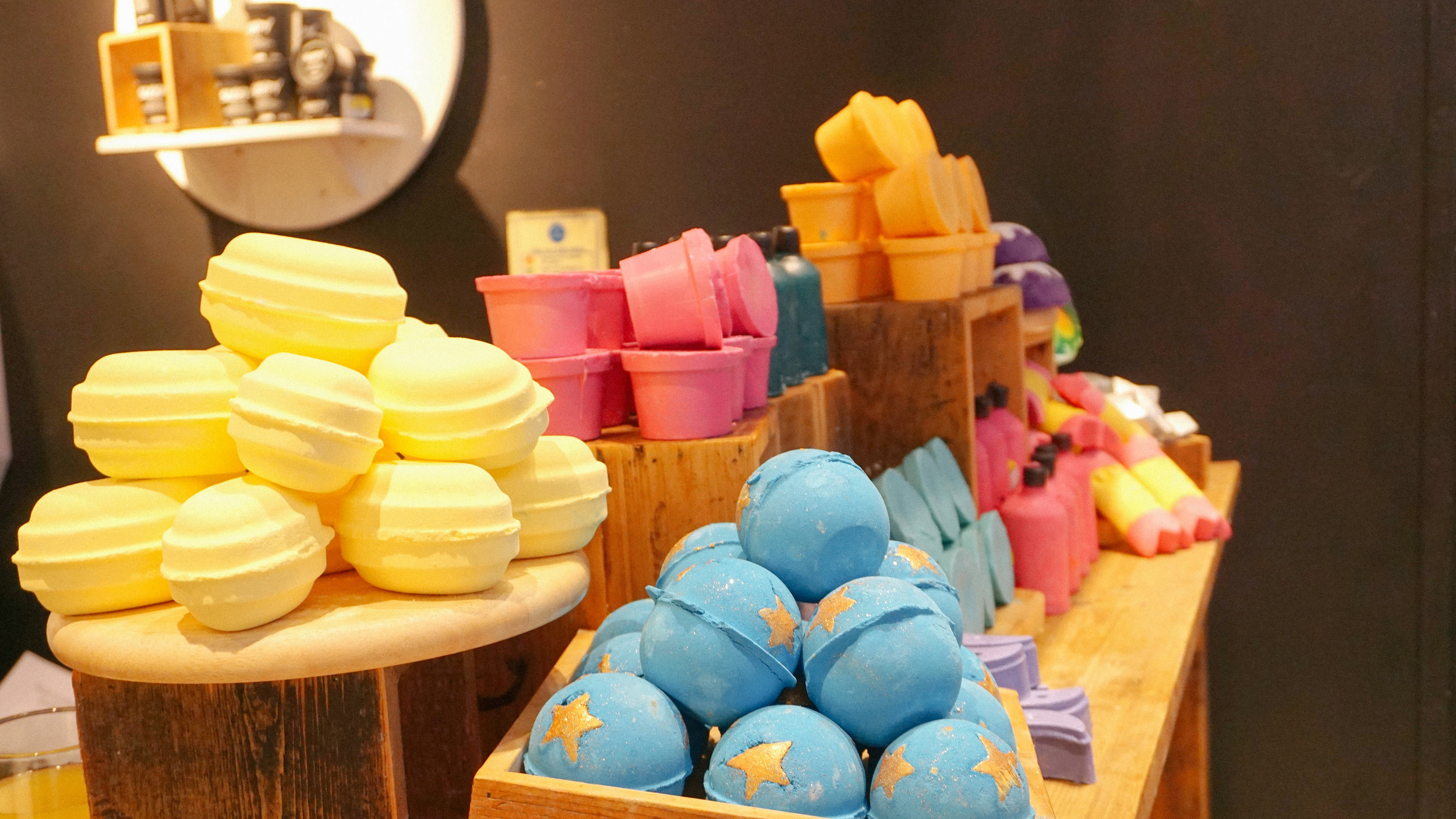 Featuring  Sherbet Dip Bath Bomb ,  Shoot For The Stars Bath Bomb  and  the new 'Naked' line