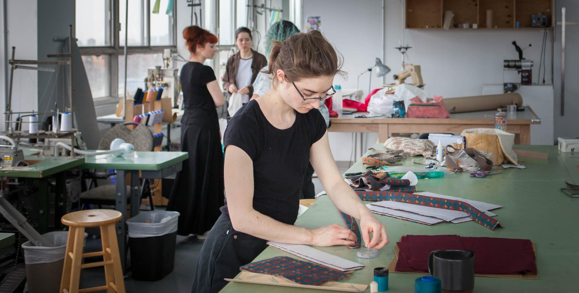 ....Atelier de coupe et couture. ..Cut & Sew class. ....