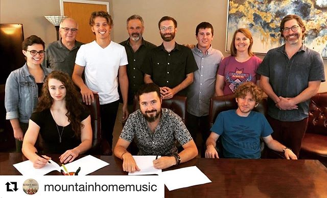 "We are so proud to announce our management clients, @firesidecollective have signed a record deal with @mountainhomemusic We are so excited about this partnership and expanding the scope of the team behind this band!  #Repost @mountainhomemusic with @get_repost ・・・ Welcome to the Mountain Home family, Fireside Collective! ""I could not be more excited to be working with Mountain Home. When I was growing up, listening to bluegrass music as a teenager in Wisconsin, much of my experience with great, authentic, bluegrass came from my collection of CDs. A great number of the albums that inspired me then and continue to inspire me today have the Mountain Home logo on them. It is an honor to get to work with their amazing team and to be a part of their incredible roster of artists."" Alex Génova, @firesidecollective ""We have watched as this fine group has moved from the backyard, to local Asheville sensation to one of the most sought after new national touring bands in roots music! We are excited to be part of their growing success and to help take them to the next level."" - @tygilpinavl"