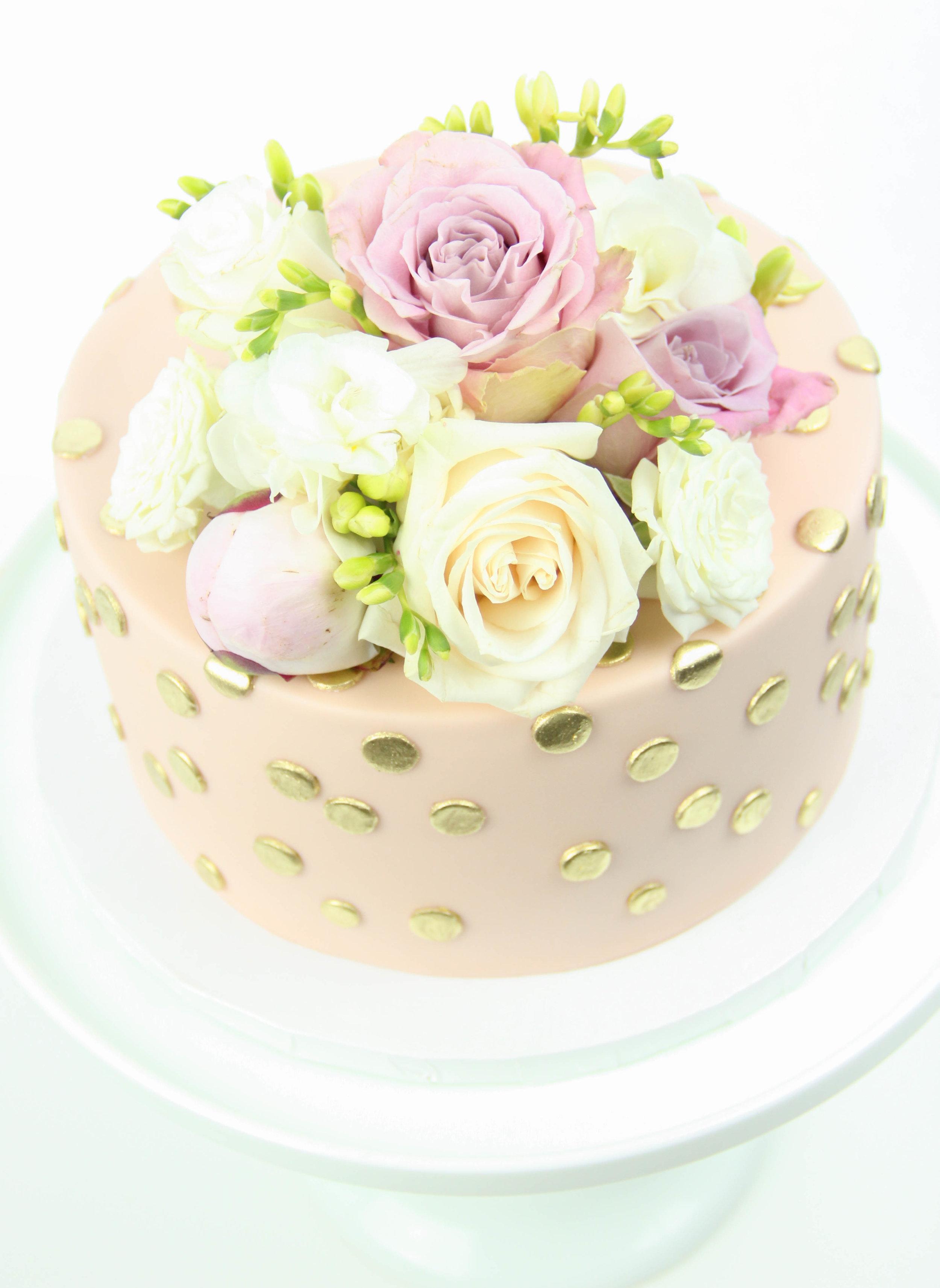 Fresh Floral Fondant Cake 2.jpg