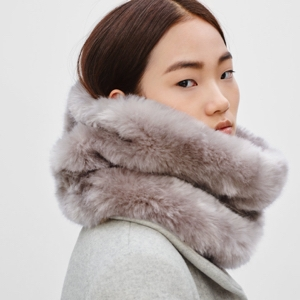 aritzia+cowl+scarf.jpg