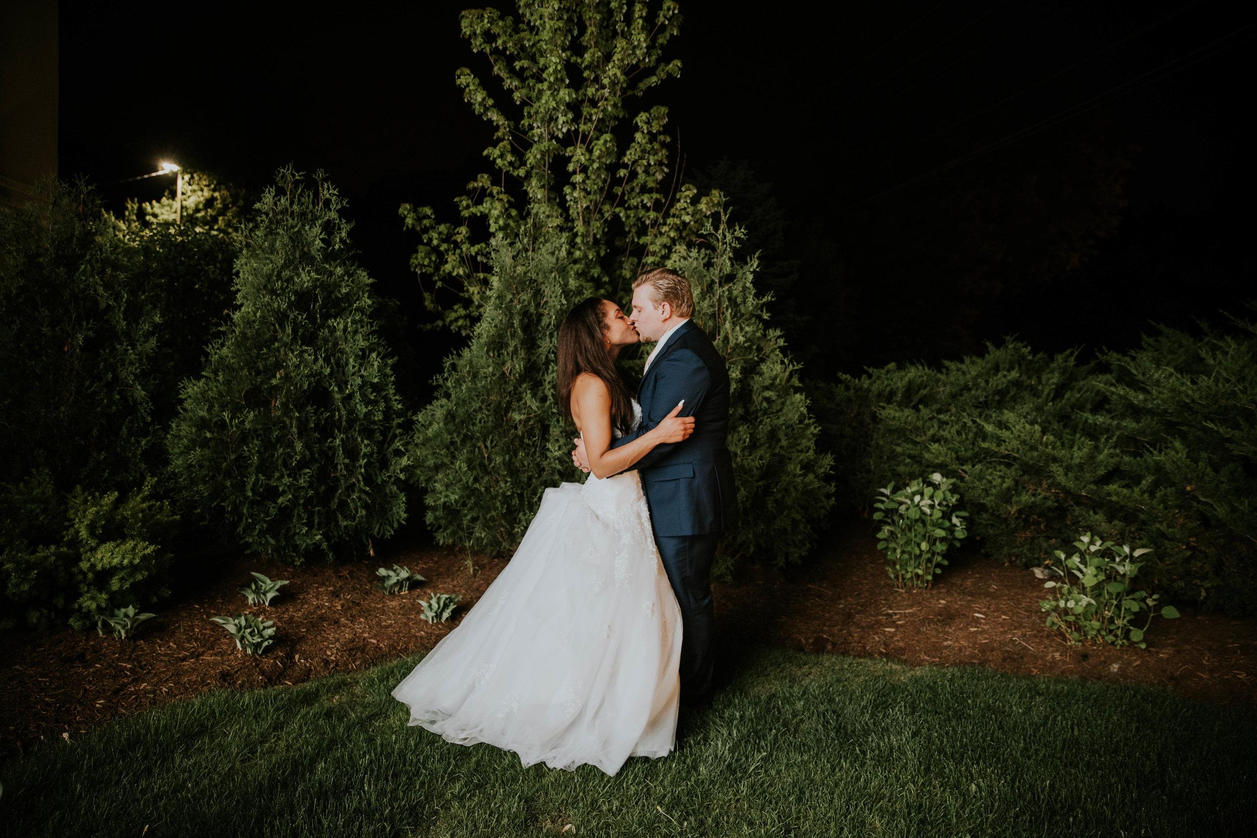 LeCapeWeddings - Suburbs Wedding -6.jpg