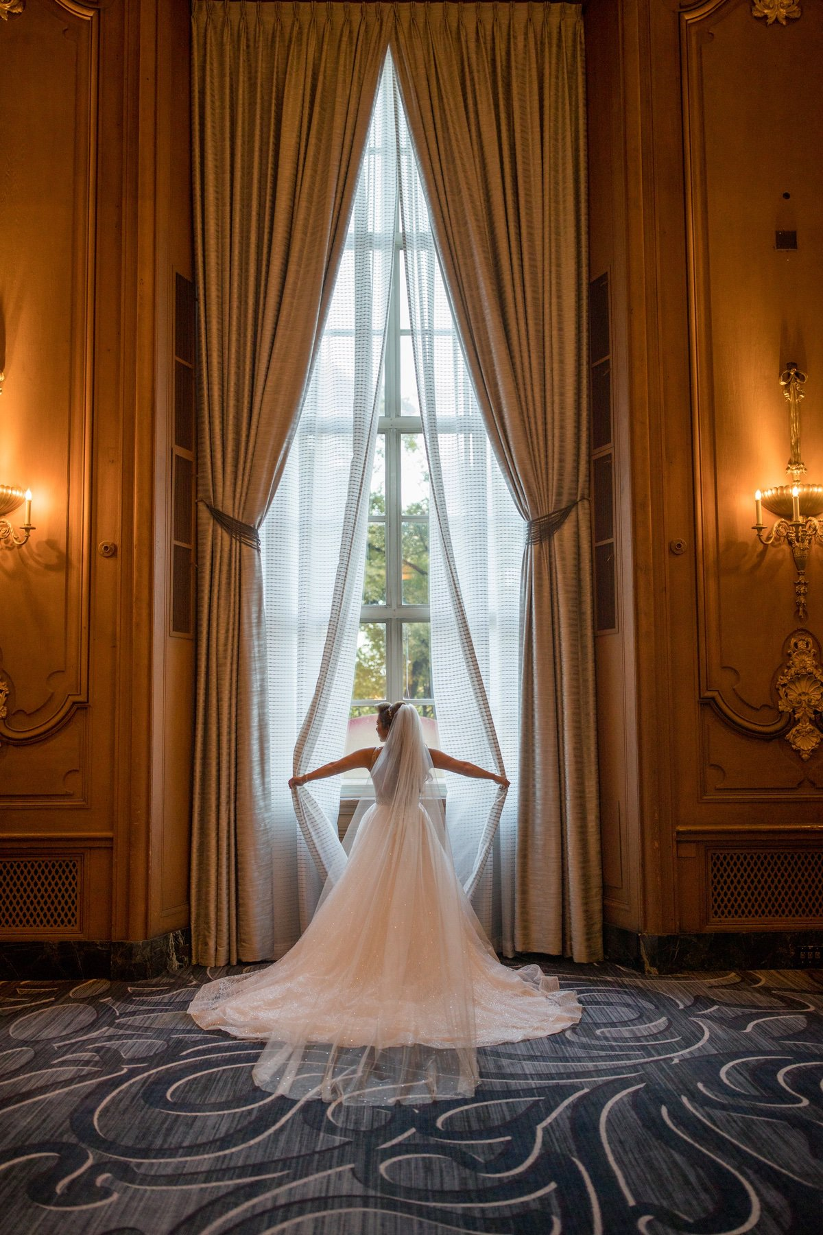 Le Cape Weddings - Laila and Anthony - Chicago Wedding - Bride Portraits -49.jpg