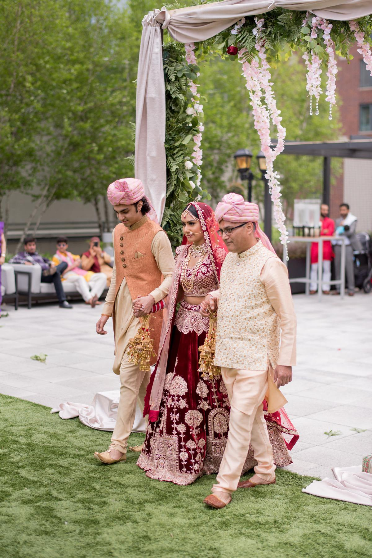 Le_Cape_Weddings_-_Serena_-_Chicago_South_Asian_Wedding_-_Ceremony_--39.jpg
