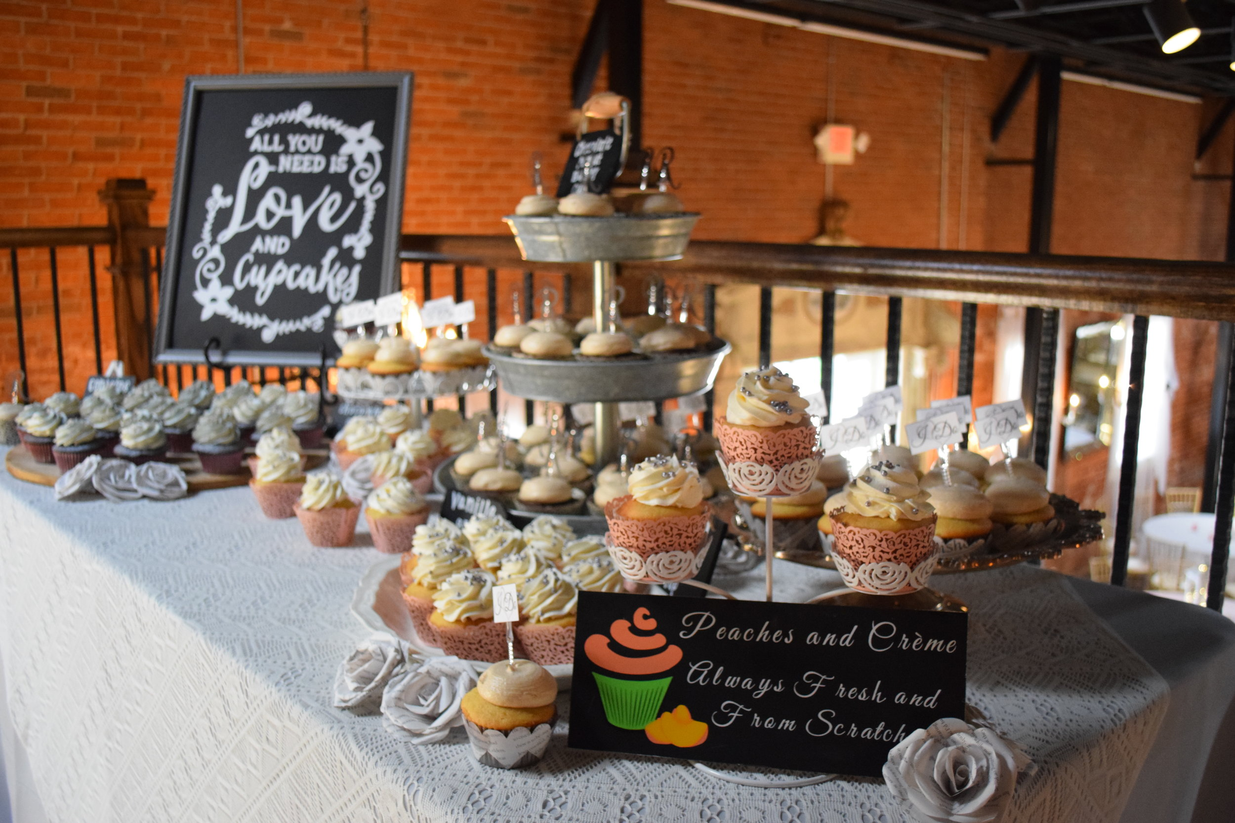 Cupcakes — Peaches and Crème Bakery