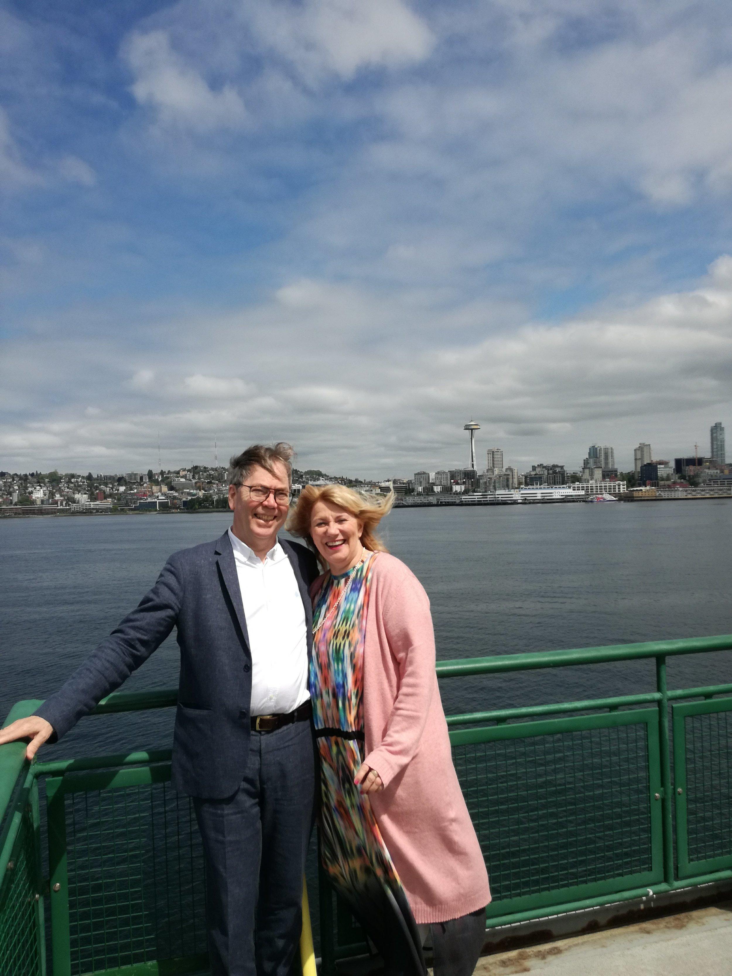 Hörður Áskelsson og Inga Rós Ingólfsdóttir på ferga fra Seattle til Poulsbo