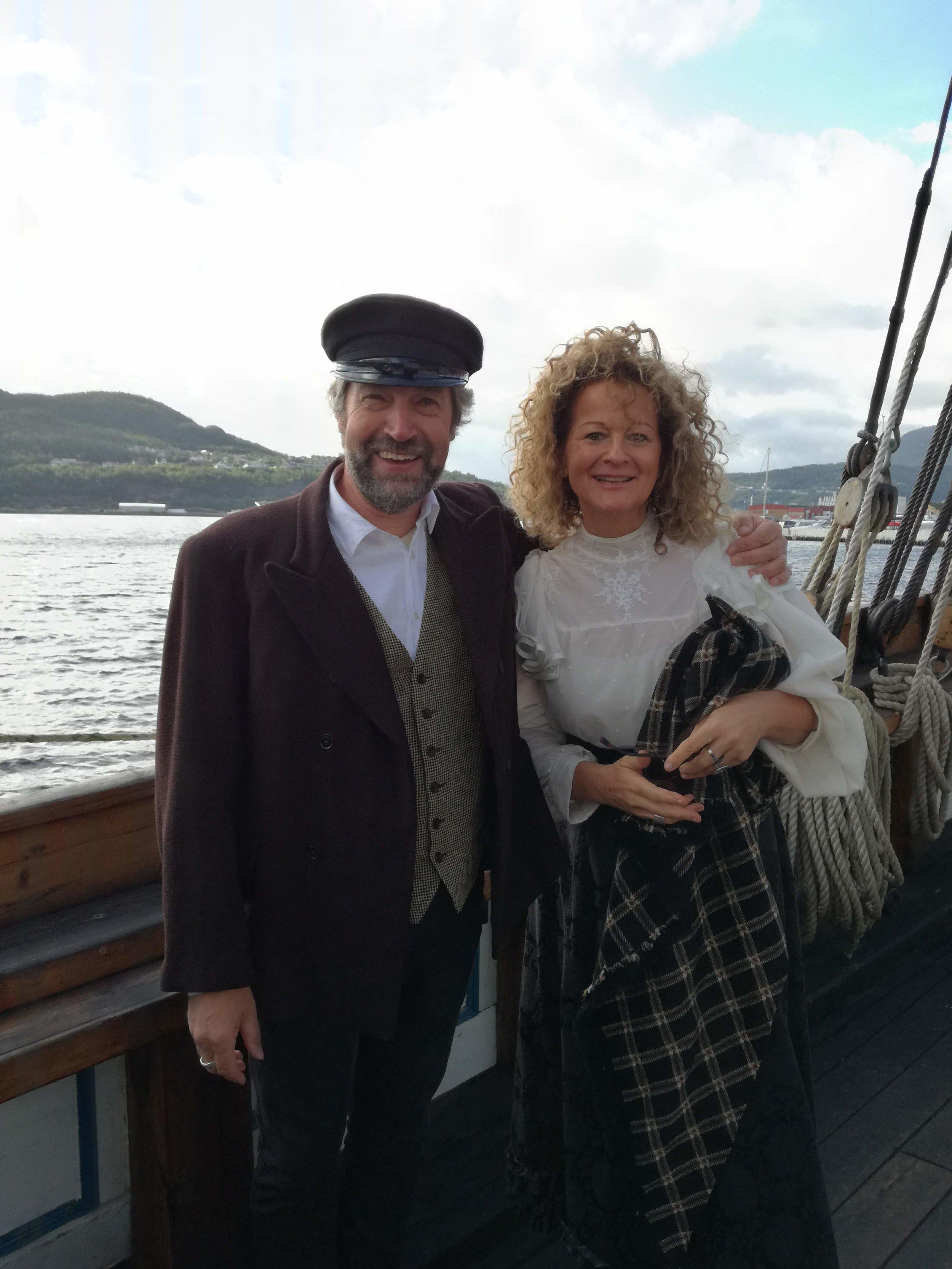 Ola Bremnes med musiker Kristin Skaare