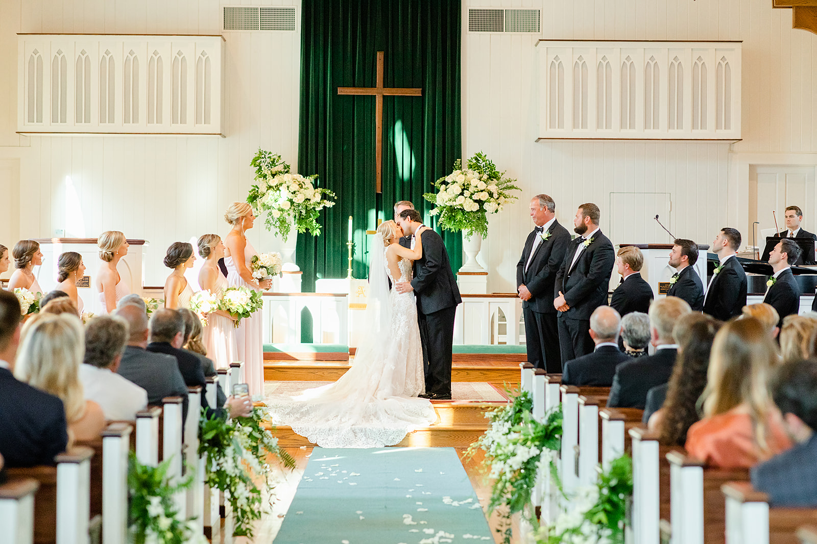 Blush-Black-Tie-Wedding-at-the-Grand-Hotel-in-Point-Clear-Alabama-Anna-Filly-Photography-Cross-Wedding-Ceremony-49.jpg