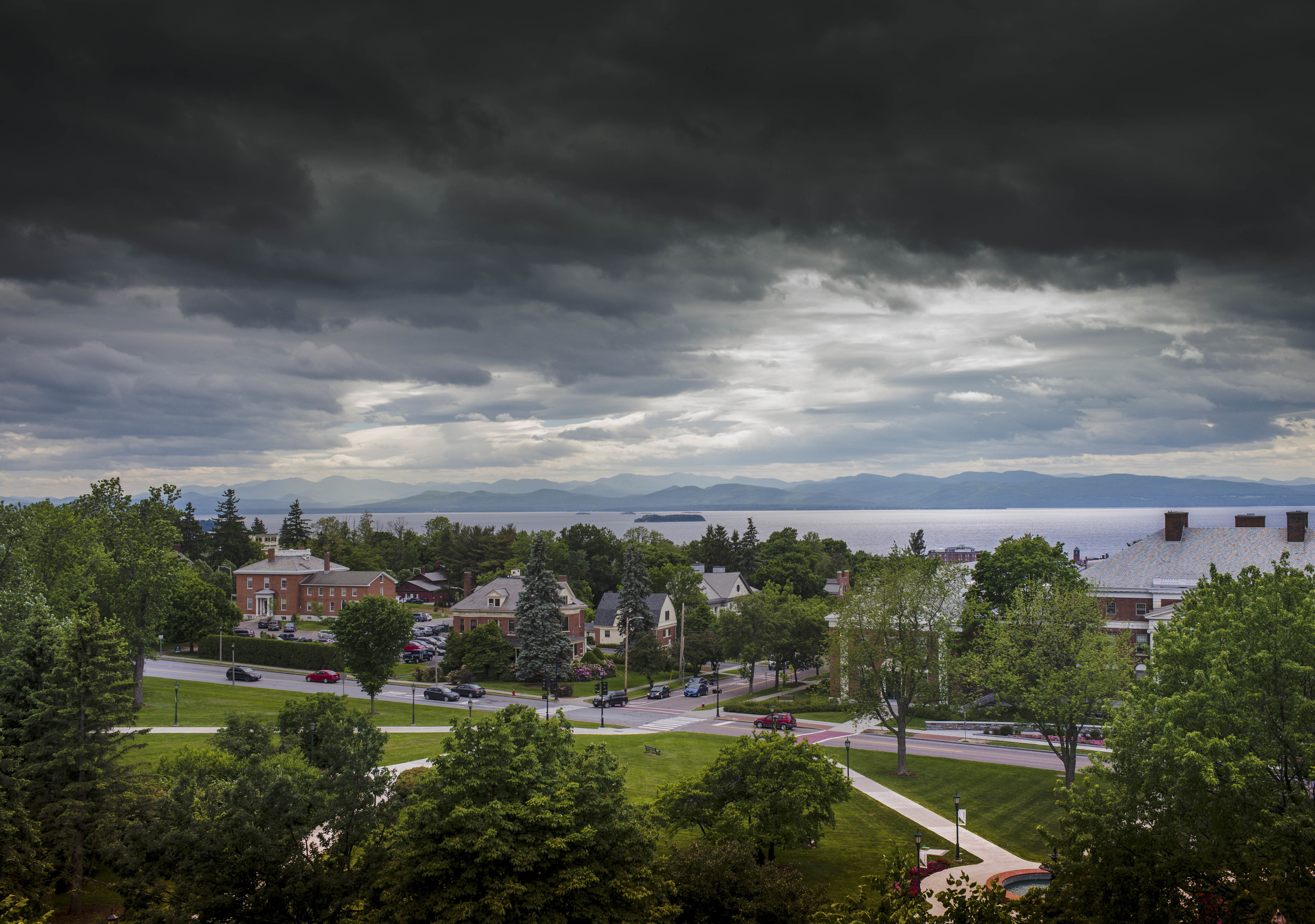 University of Vermont, Burlington, Vermont  Leica M, 35mm Summicron, f/4.8, 1/1000s, ISO 320