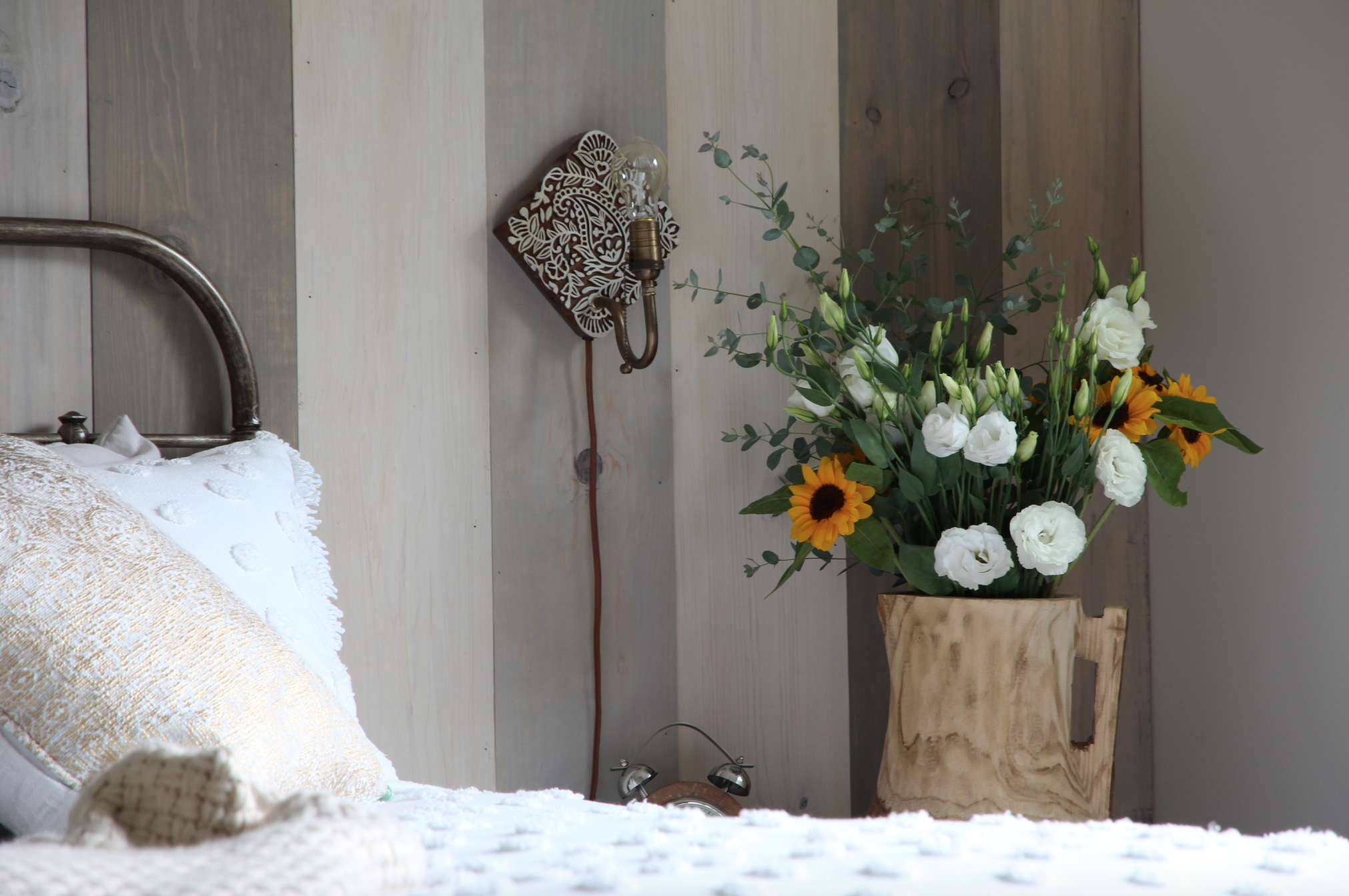 Adding sunflowers to a space always feels like Fall is around the corner.