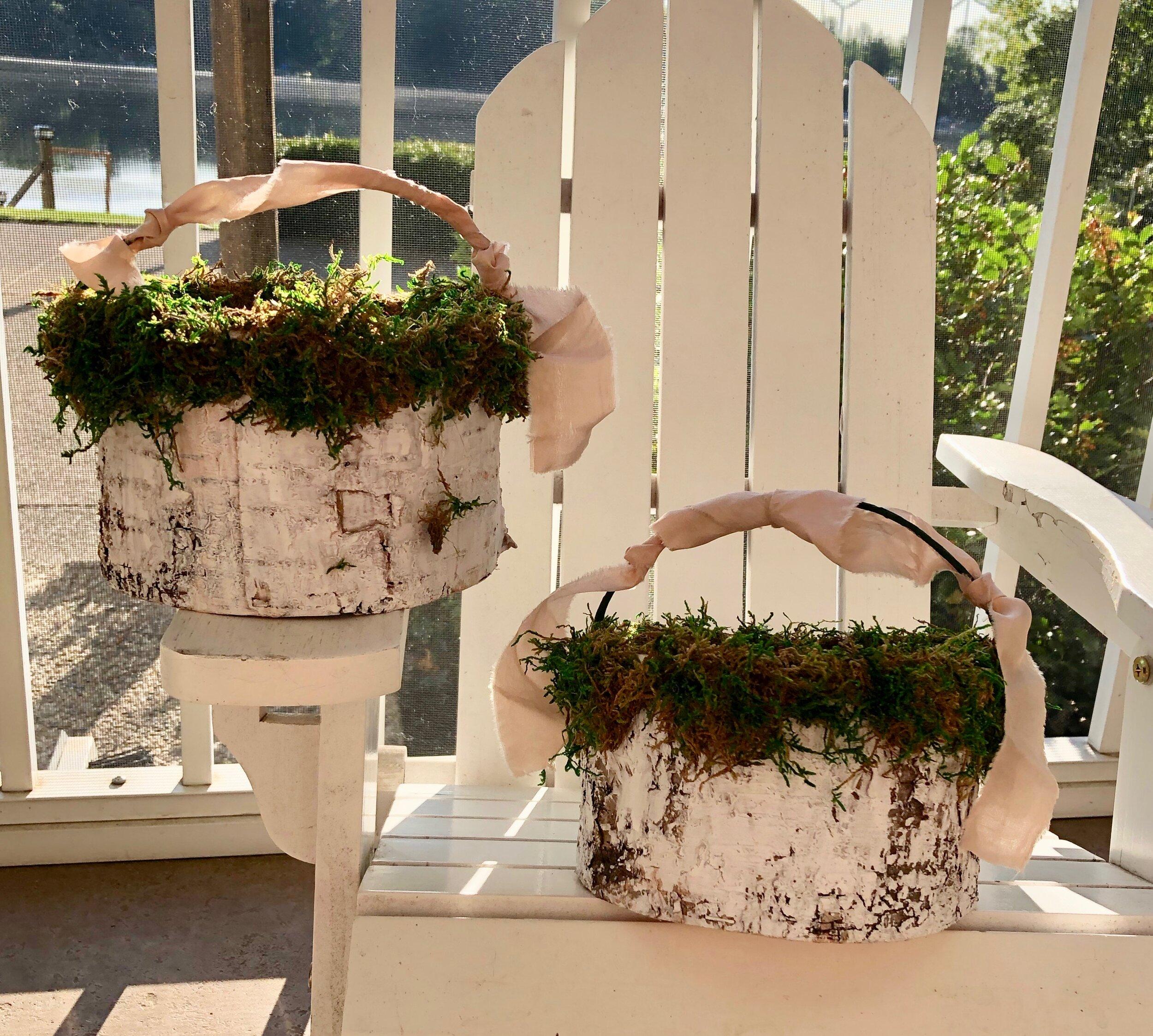 Basket for the flower petals