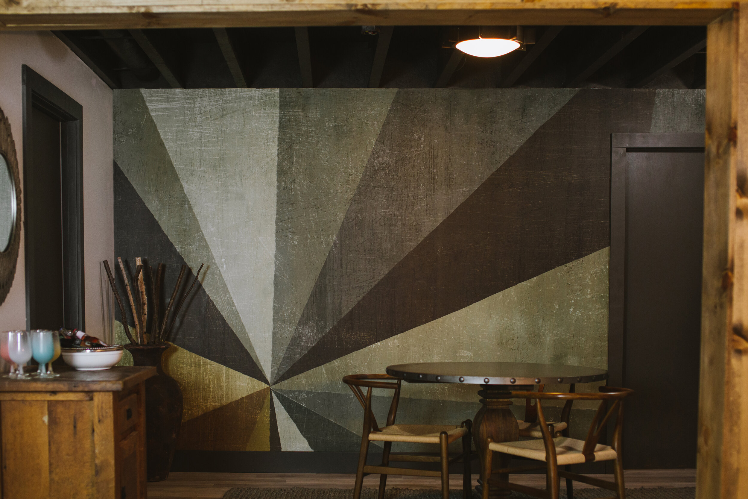 Graphic wall mural by Photowall.